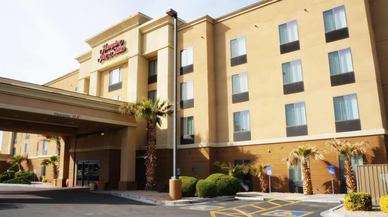 Hampton Inn & Suites Kingman image 0