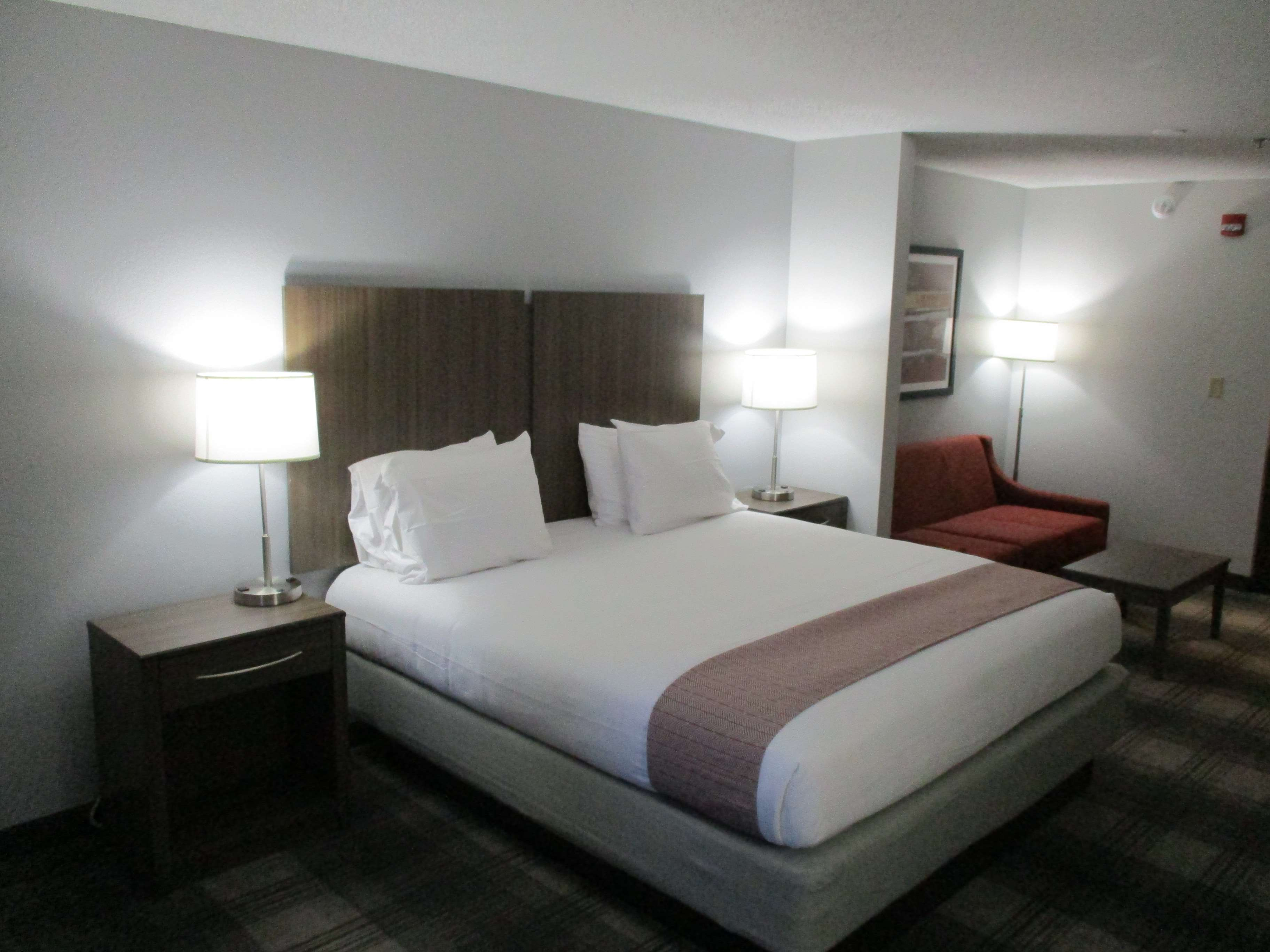 Best Western Plus Philadelphia-Choctaw Hotel and Suites image 25