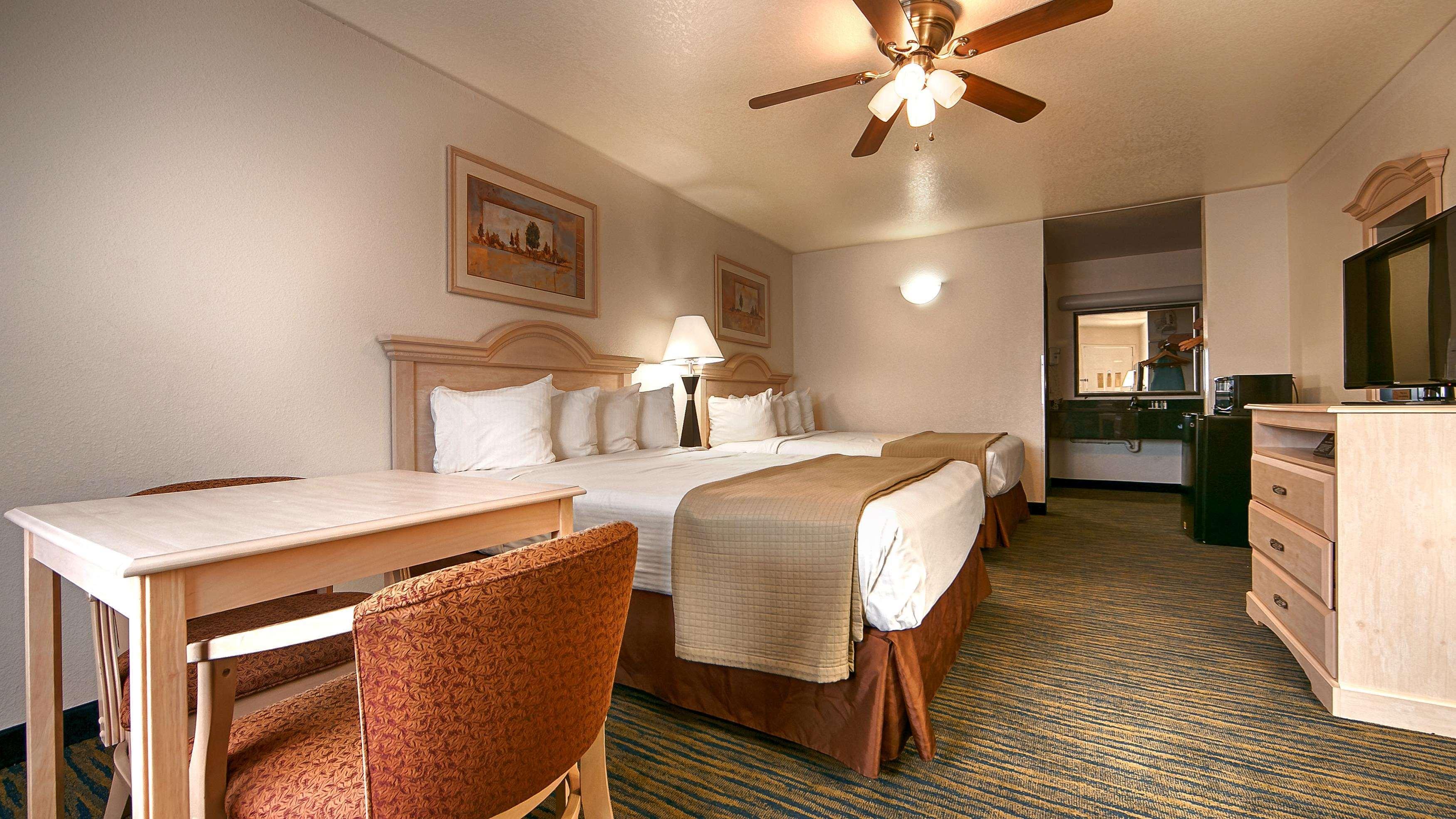 SureStay Hotel by Best Western Falfurrias image 40