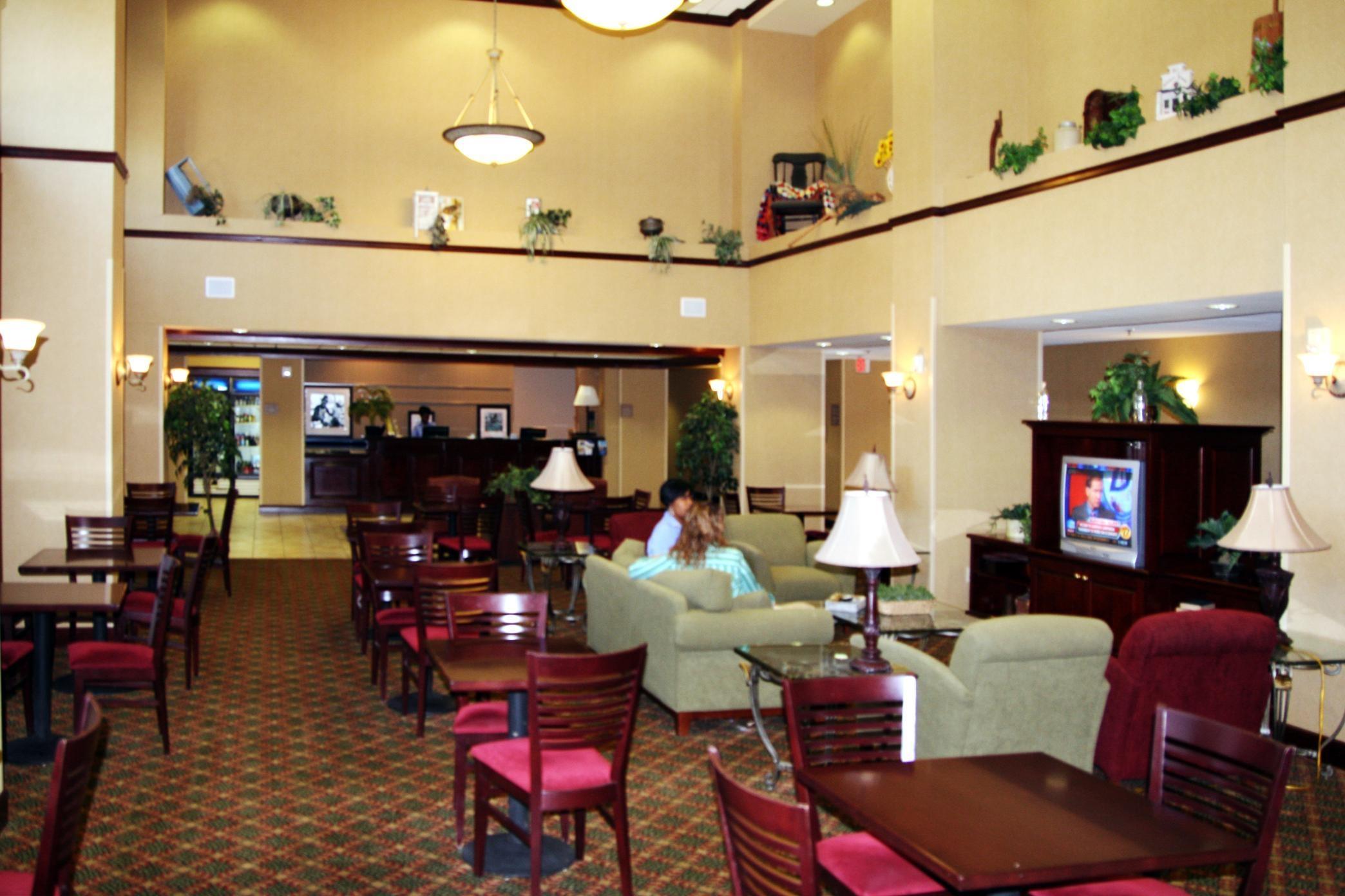 Hampton Inn & Suites Lafayette image 2