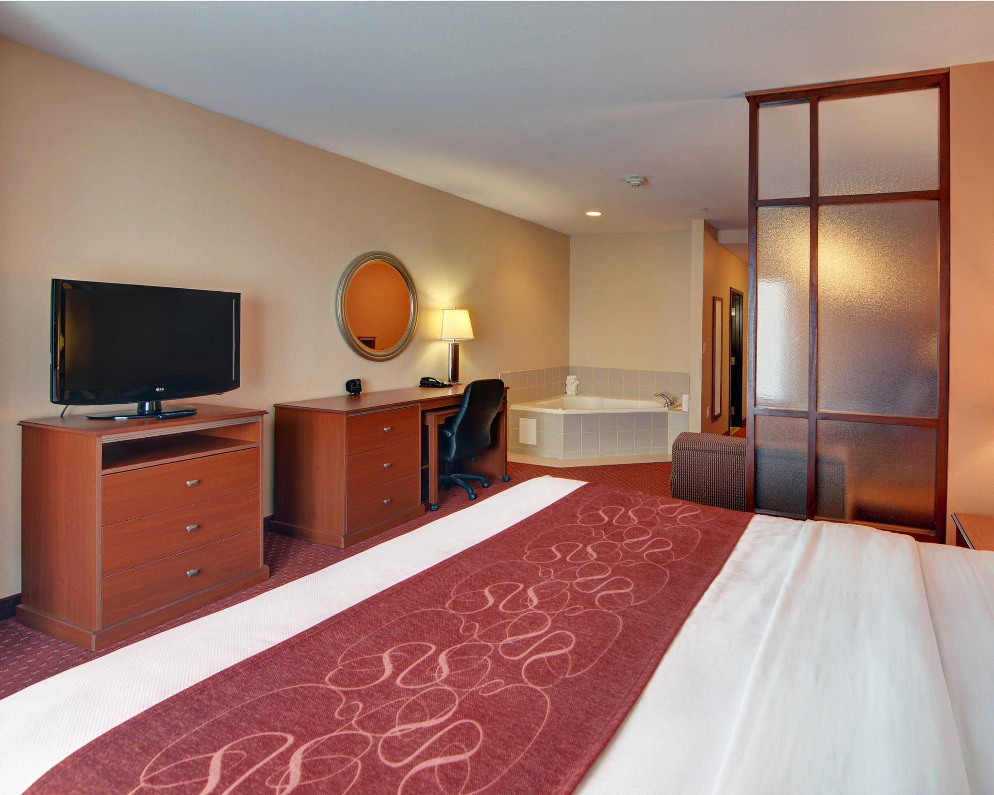Comfort Suites Near Cedar Creek Lake image 33
