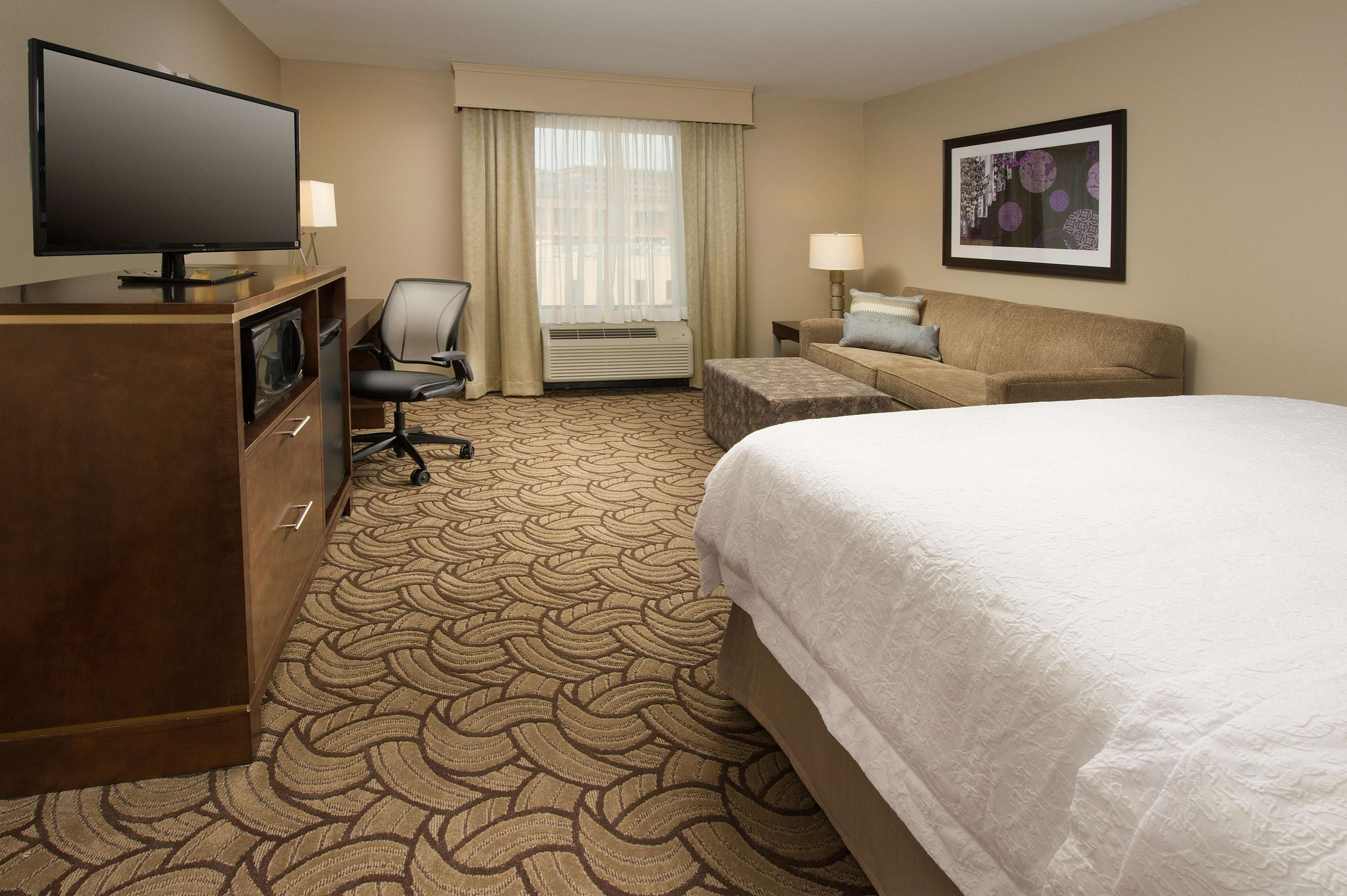 Hampton Inn & Suites San Antonio-Downtown/Market Square image 11