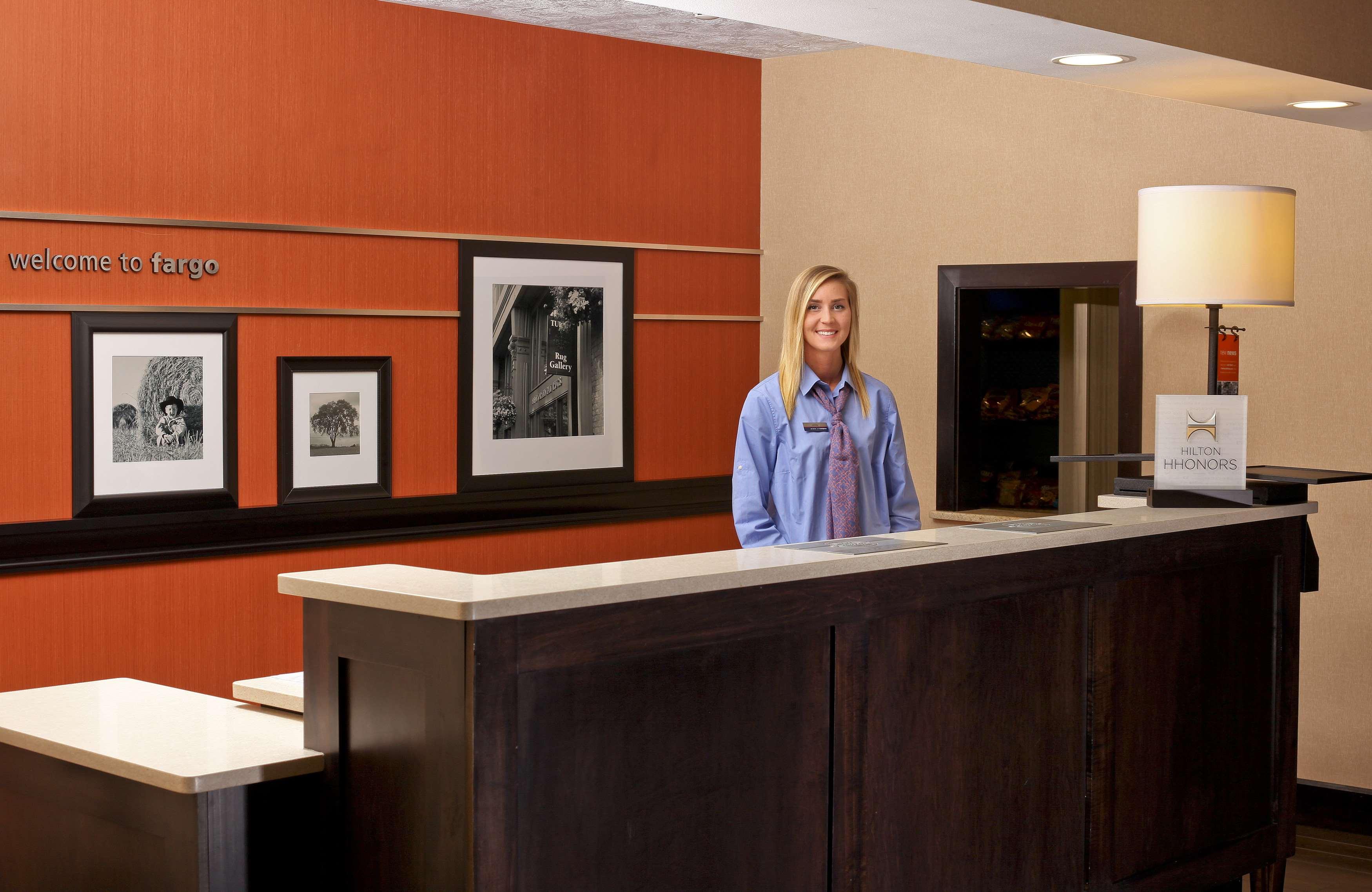 Hampton Inn & Suites Fargo image 3