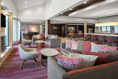 Courtyard by Marriott Pittsburgh Airport image 1