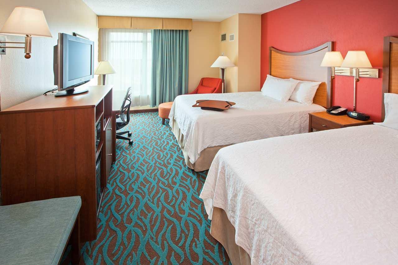 Hampton Inn & Suites Chicago-North Shore/Skokie image 14