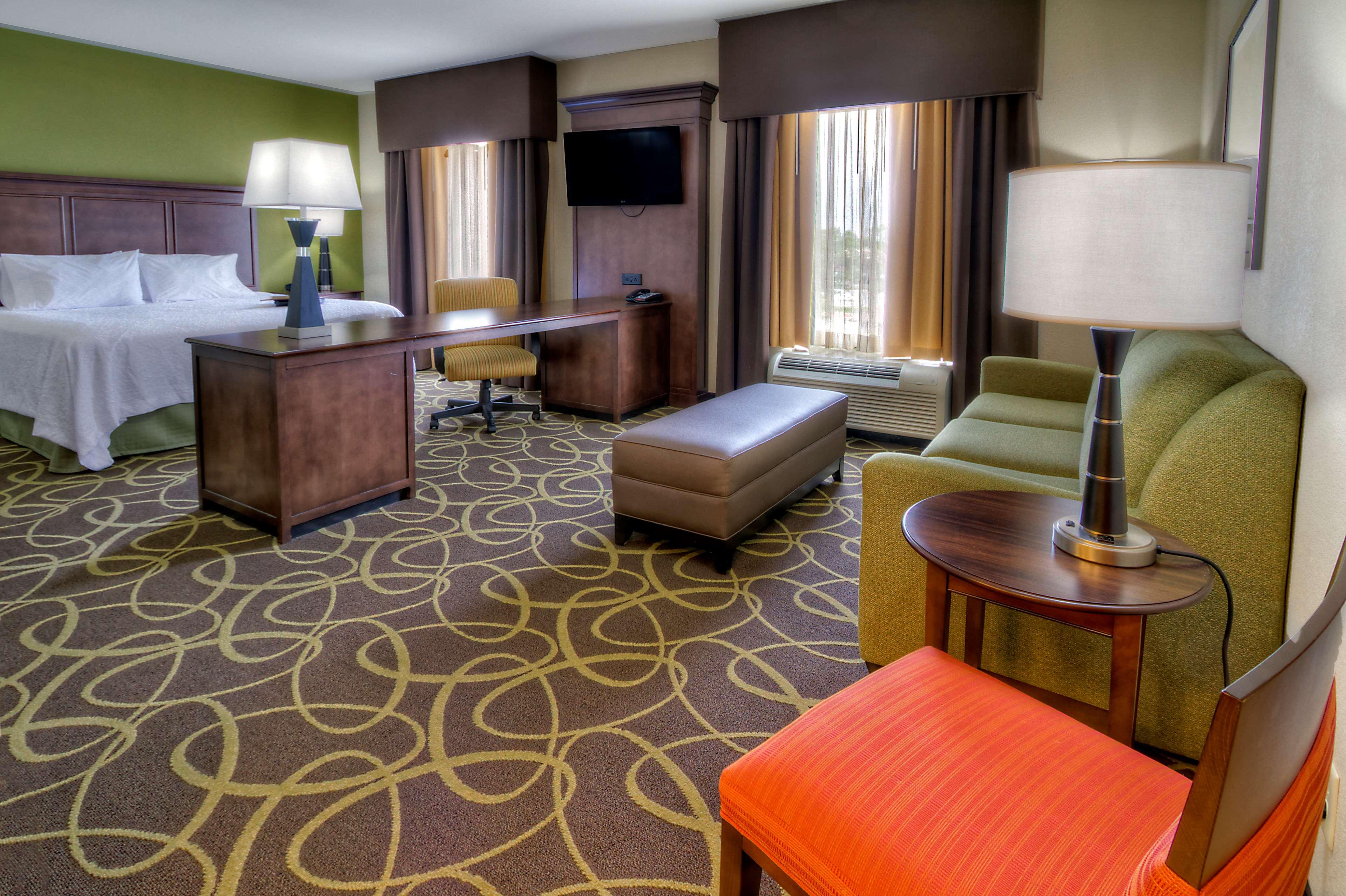 Hampton Inn & Suites Rochester/Henrietta image 22