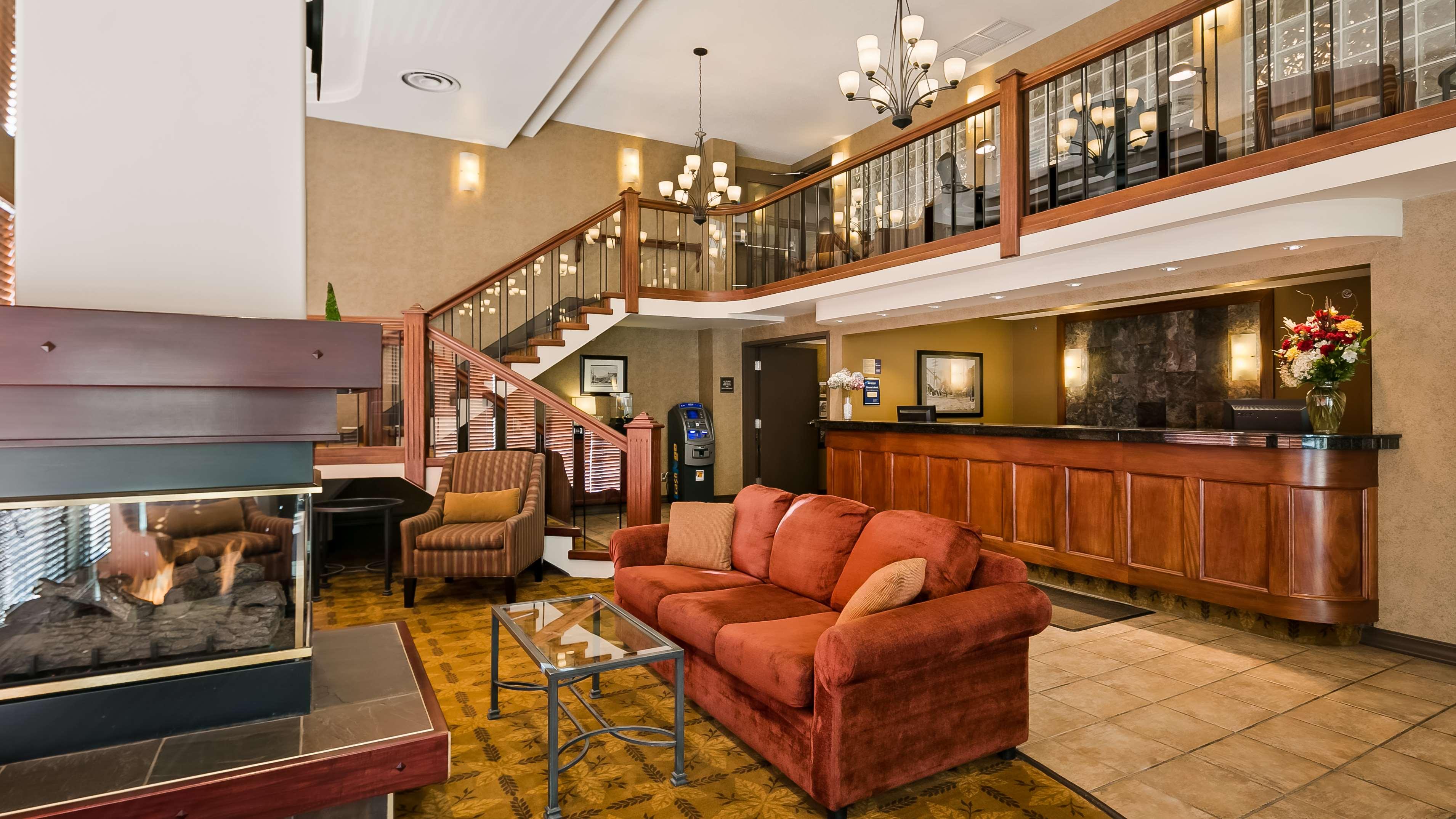 Best Western Plus Baker Street Inn & Convention Centre in Nelson: Hotel Lobby