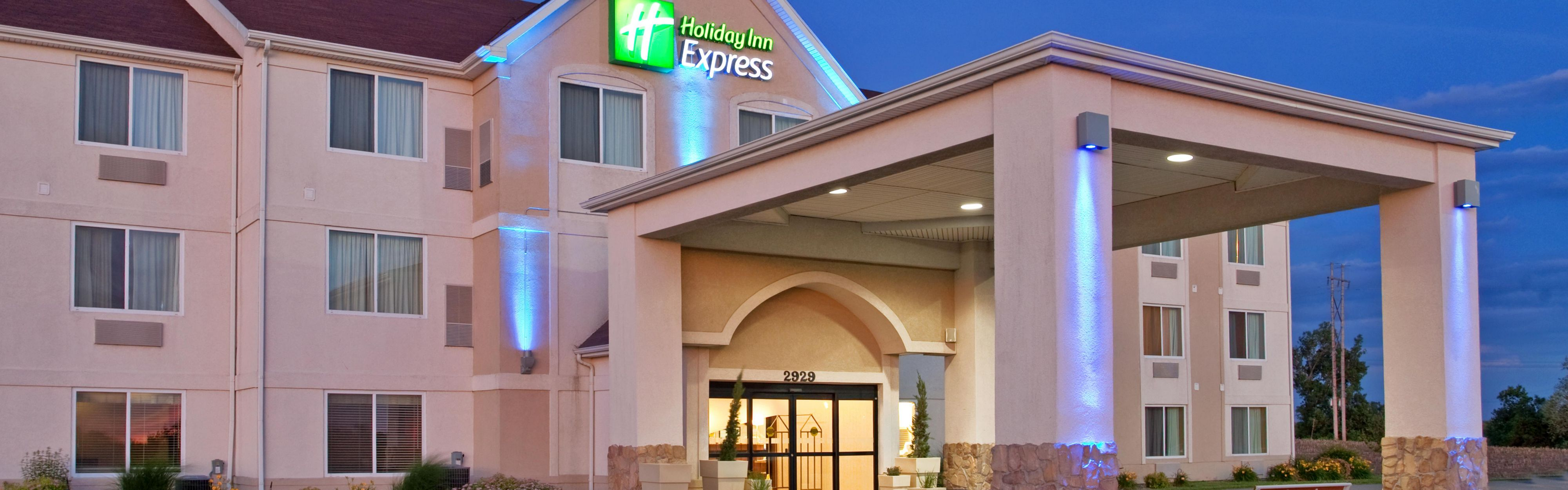 Holiday Inn Express & Suites Maryville image 0