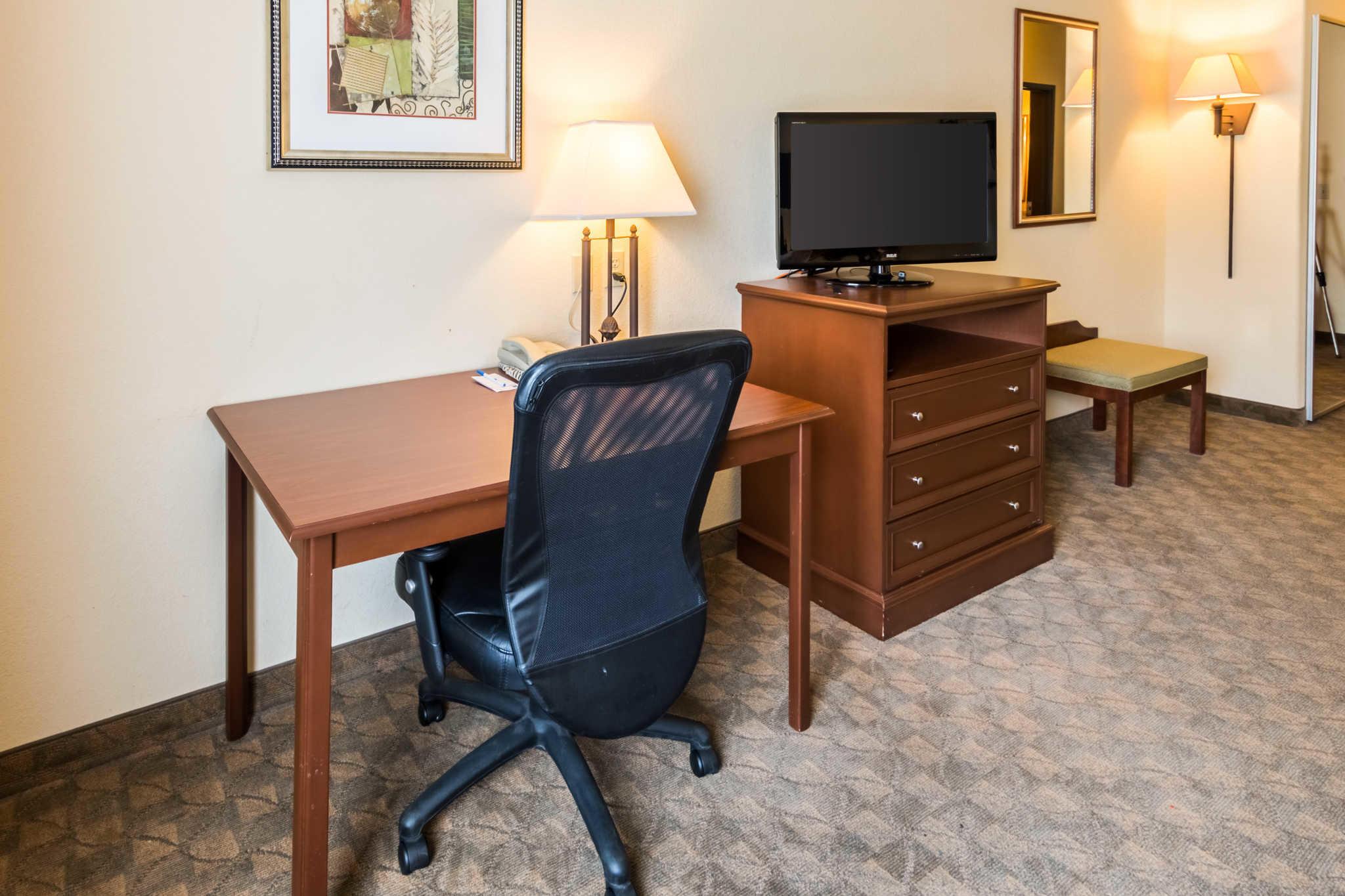 Comfort Inn & Suites near Comanche Peak image 17