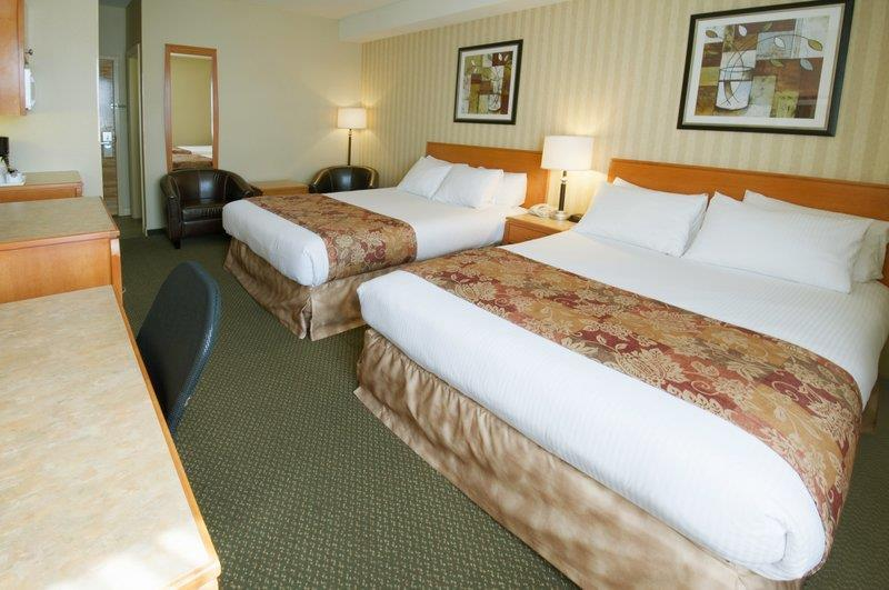 Best Western Peace Arch Inn in Surrey: Two Queen Beds