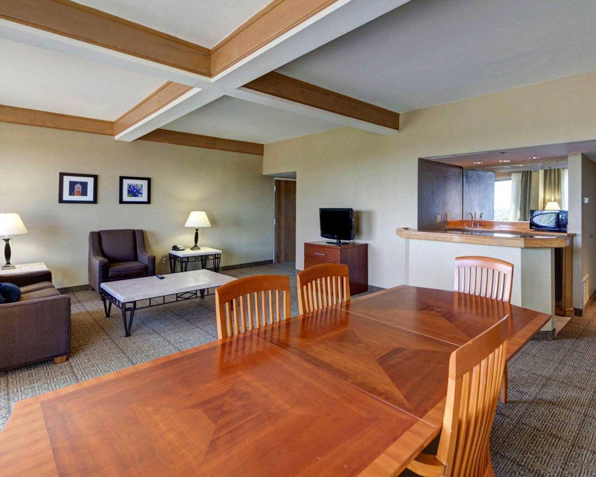 Comfort Inn & Suites Plano East image 49