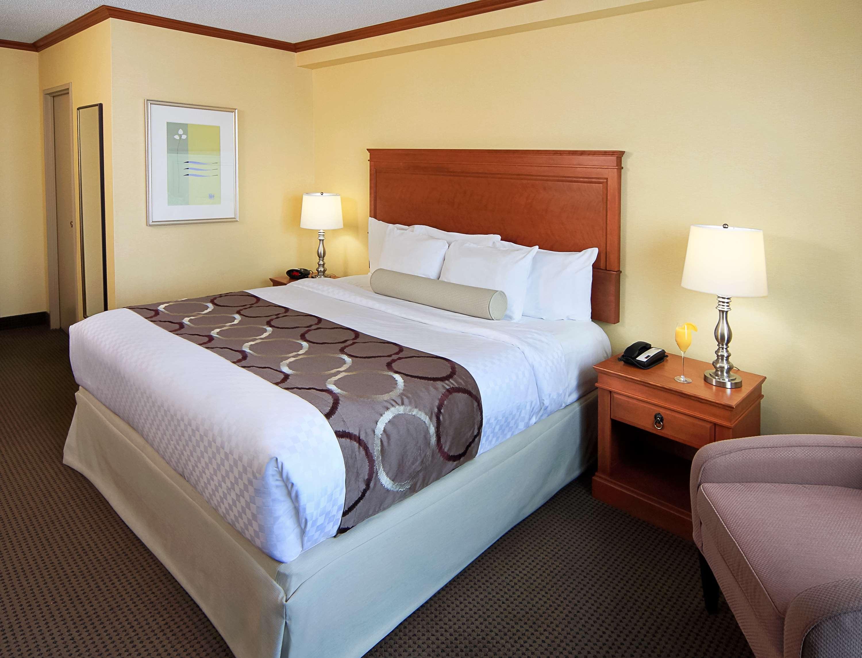 Best Western Plus Gatineau-Ottawa à Gatineau: King Guest Room