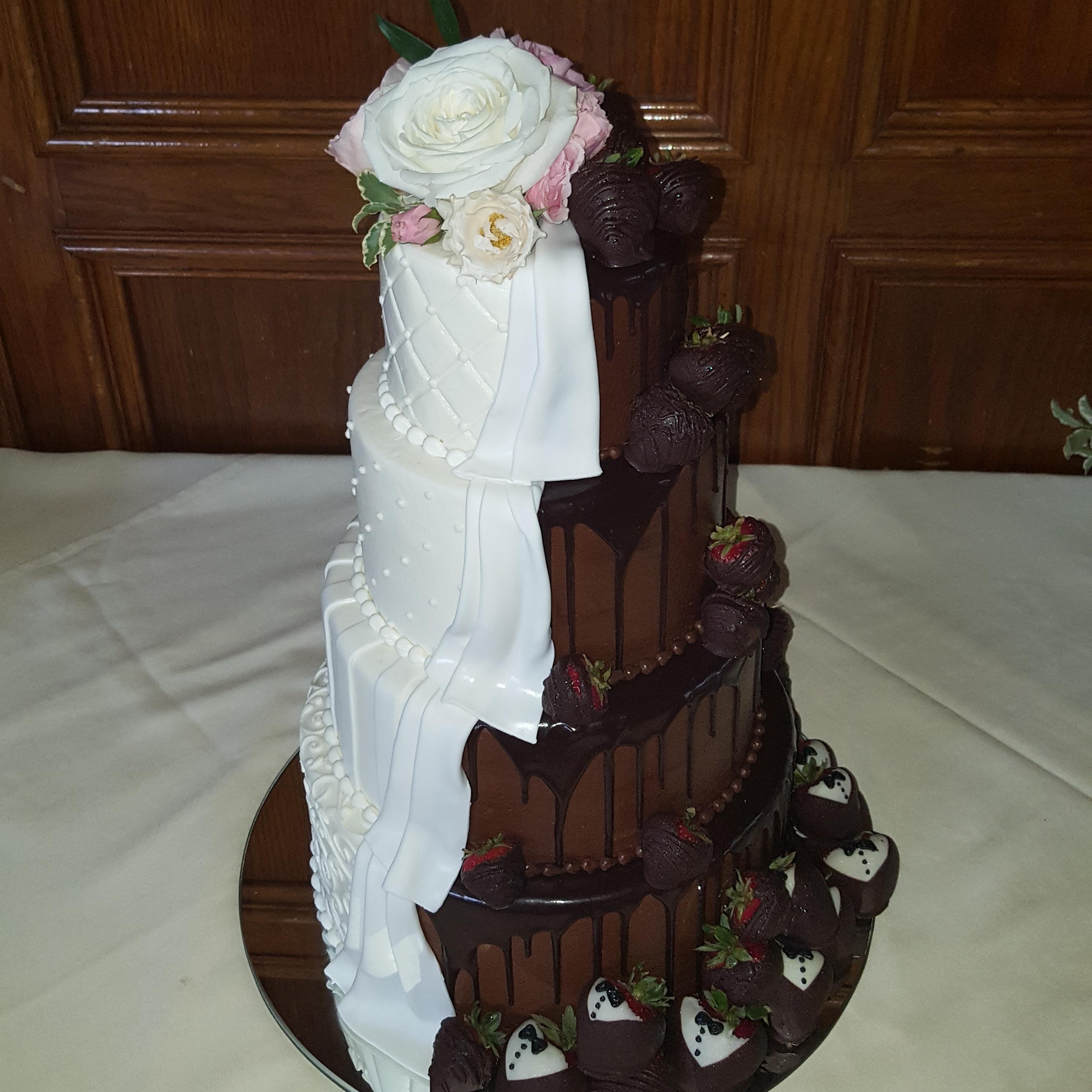 Virginia's Cakes Cafe & Bakery image 1