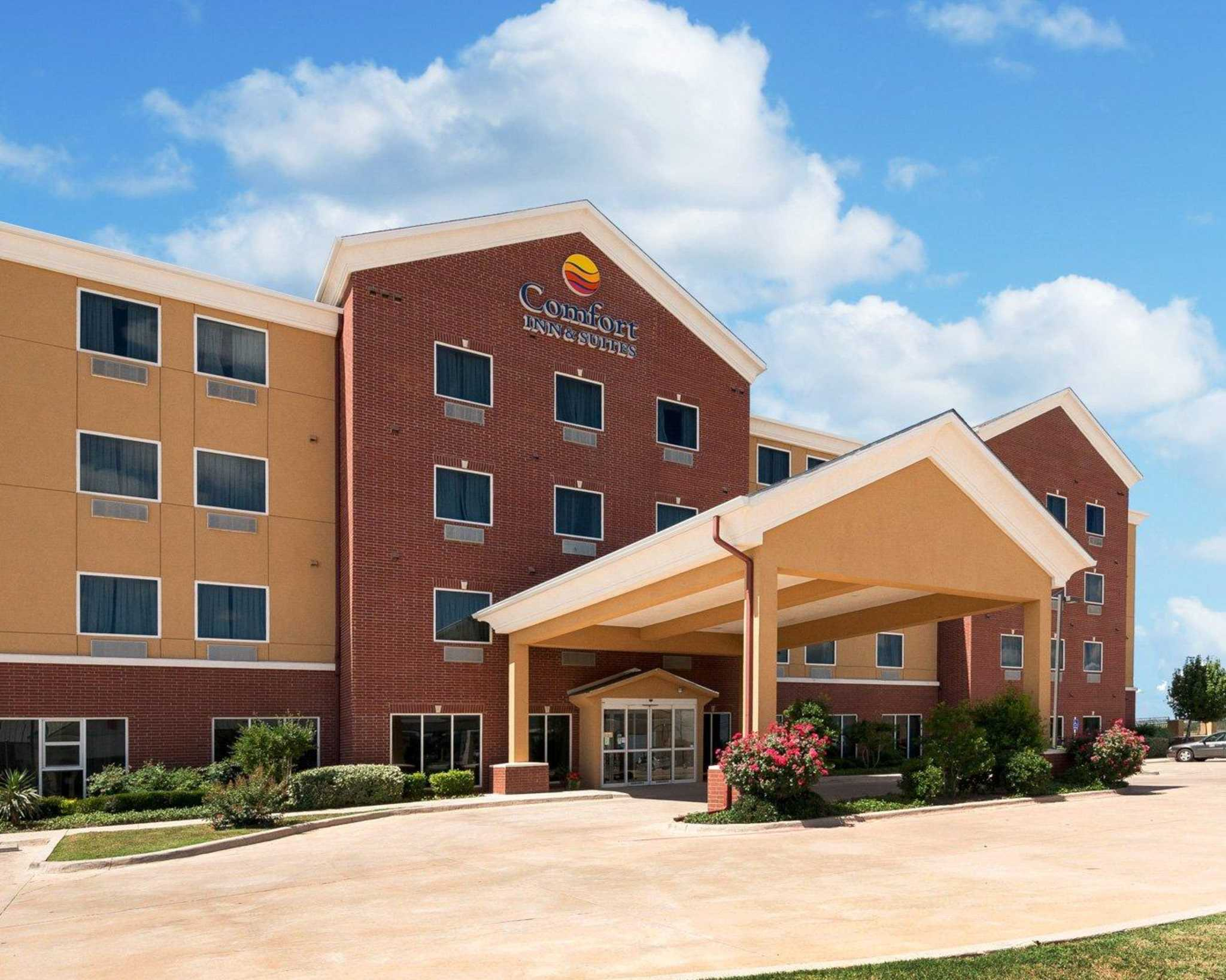 Comfort Inn & Suites Regional Medical Center image 0