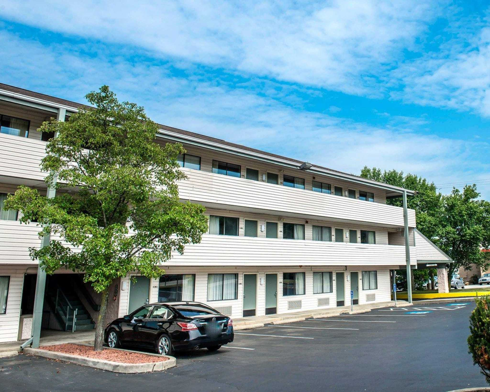 Quality Inn & Suites North image 4