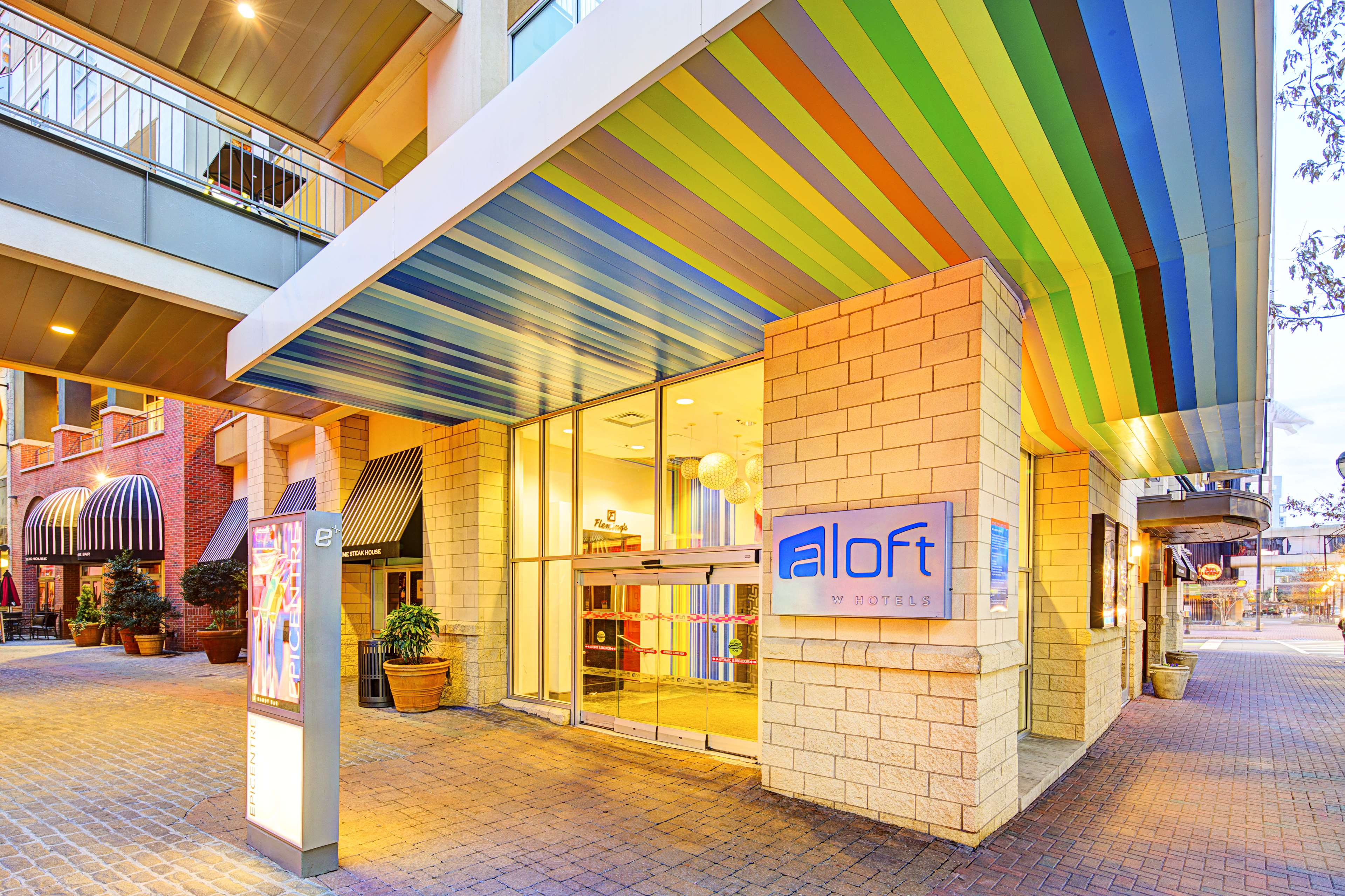 Aloft Charlotte Uptown at the EpiCentre image 2