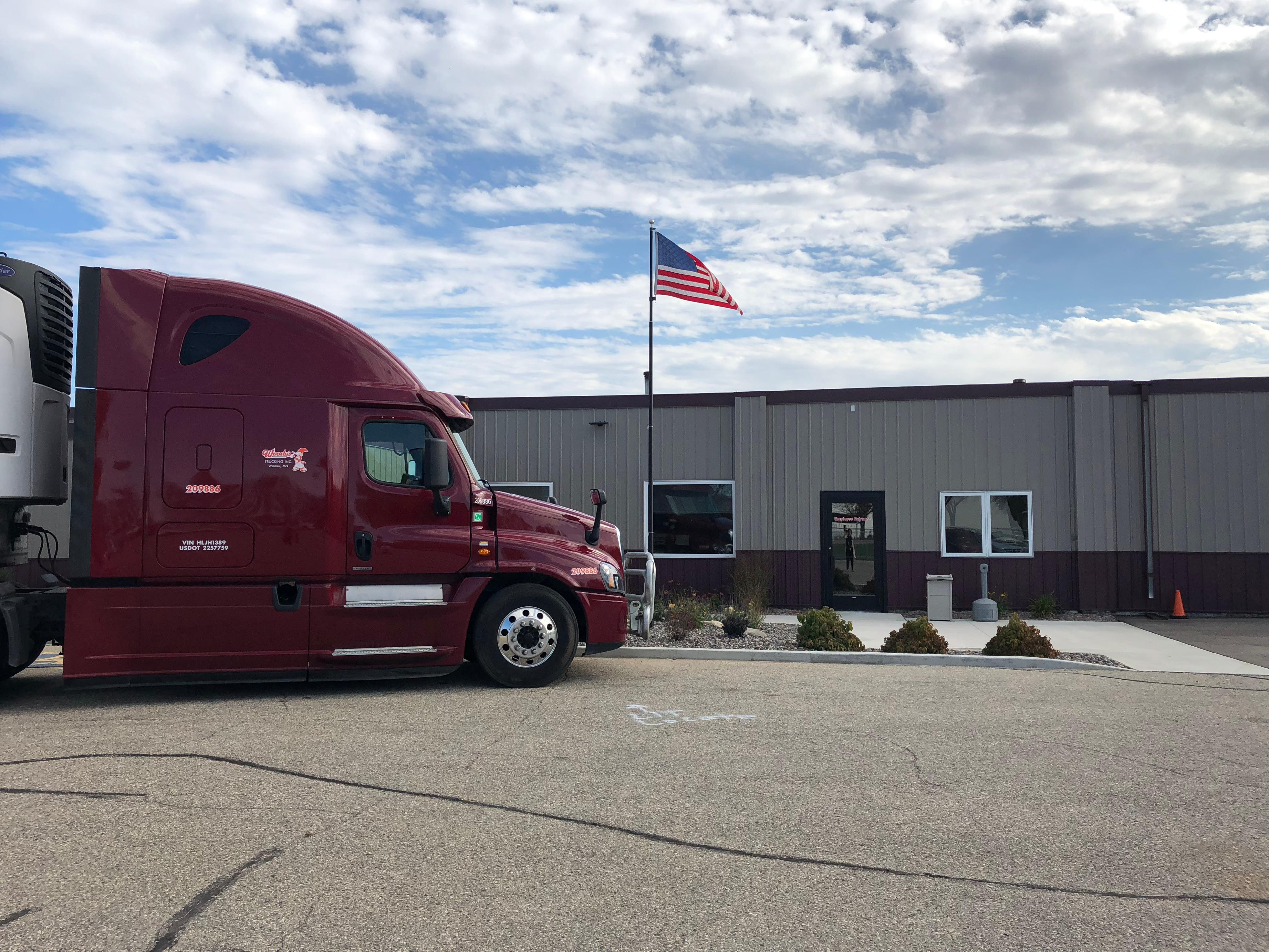 Woody's Trucking Inc. image 2