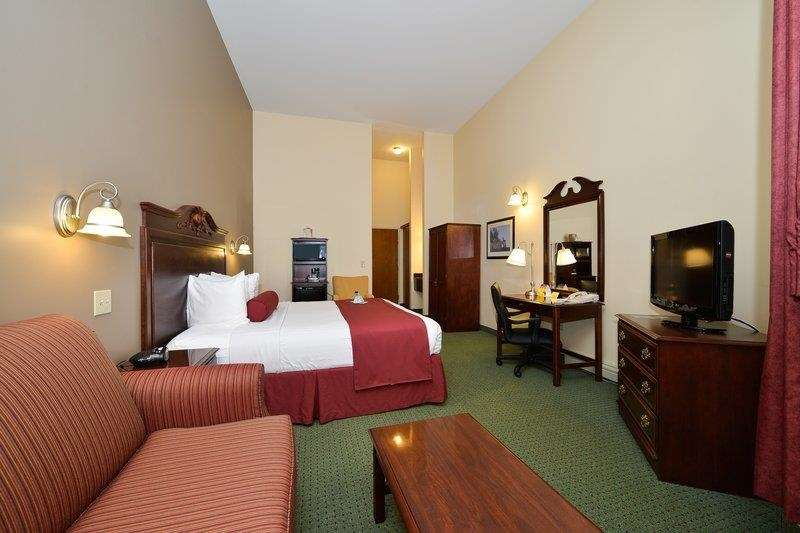Best Western The Hotel Chequamegon image 13
