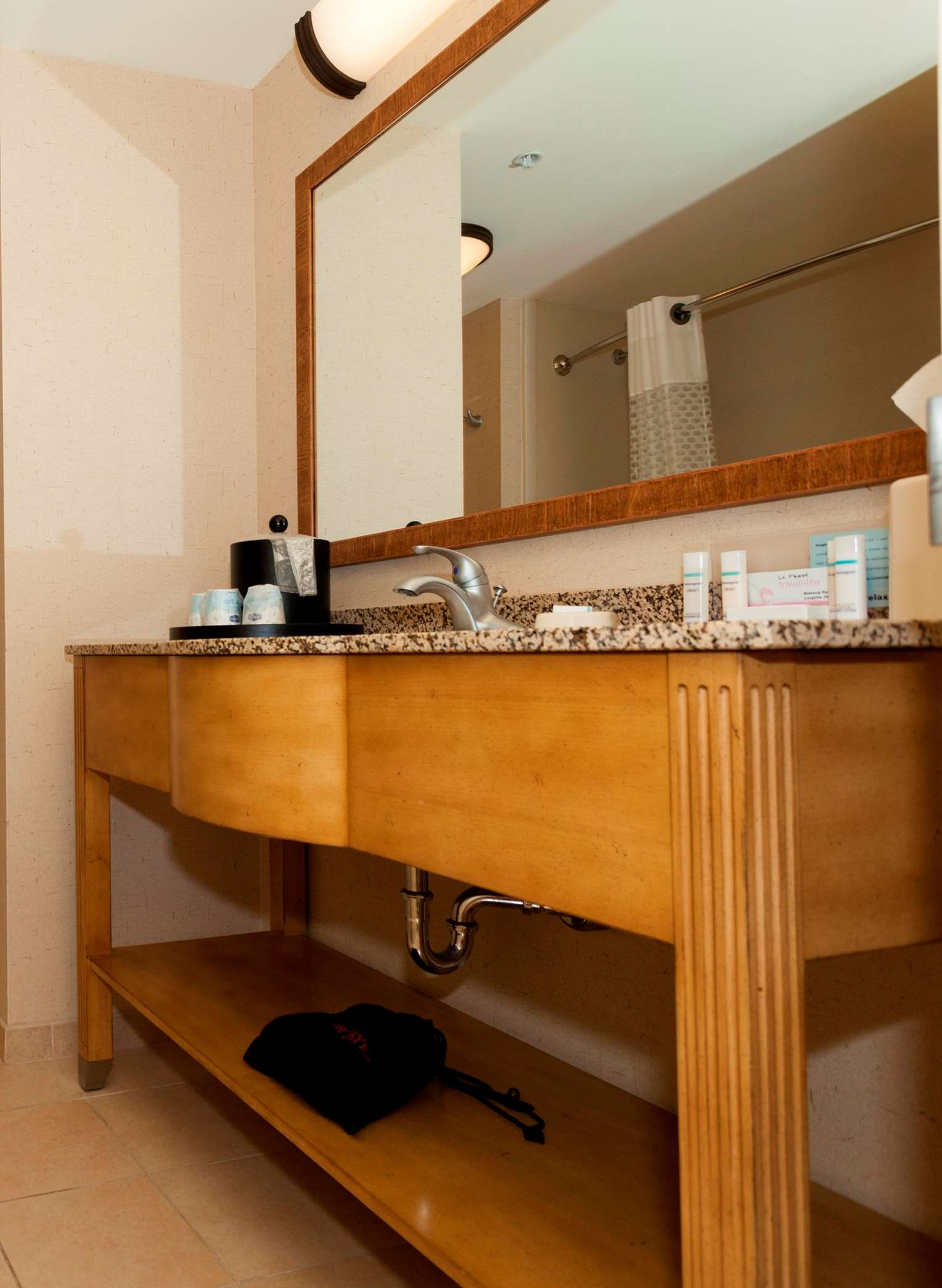 Hampton Inn & Suites Riverton image 41