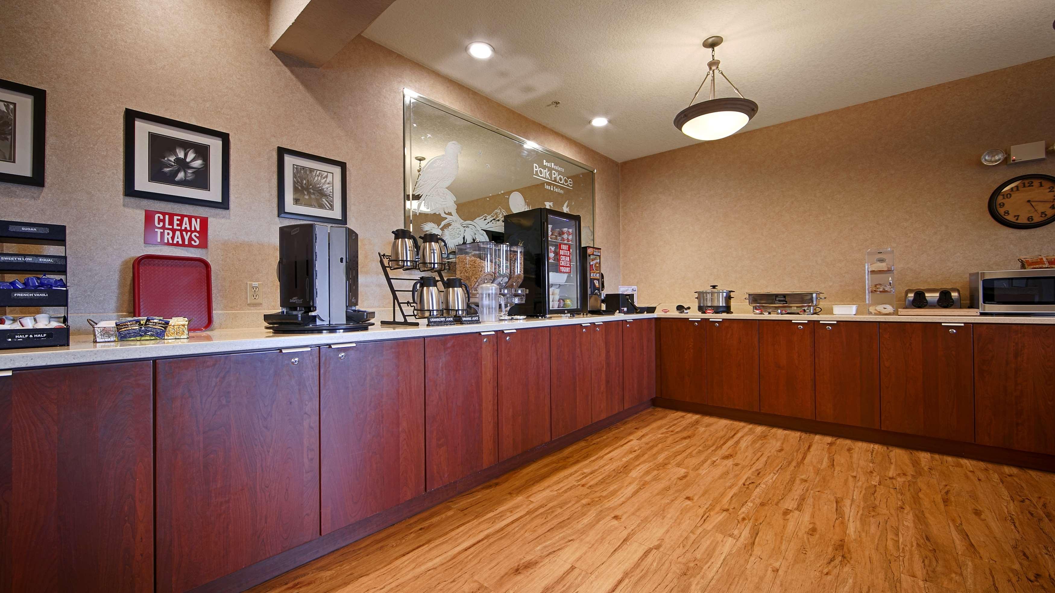 Best Western Plus Park Place Inn & Suites image 38
