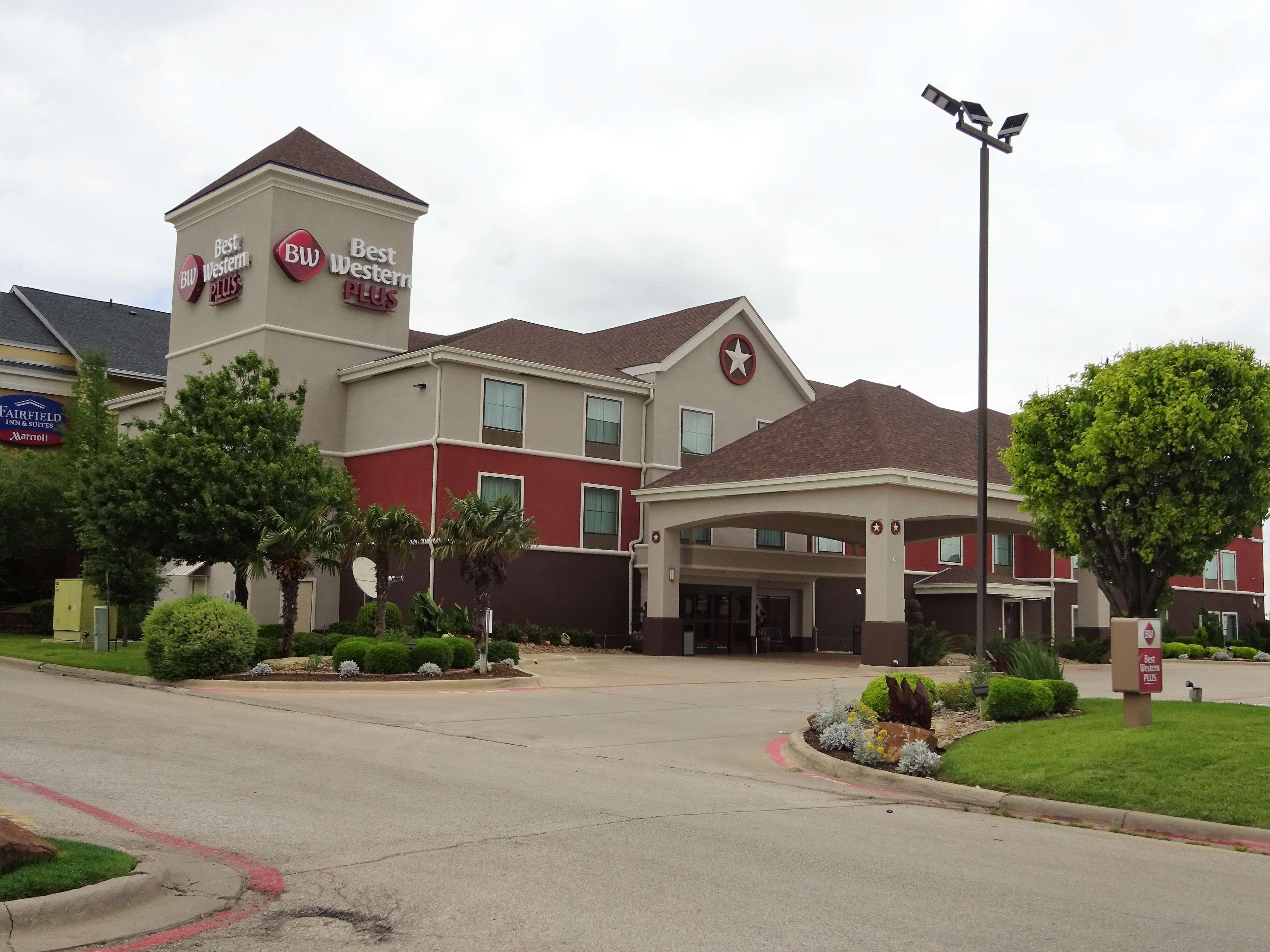 Best Western Plus Denton Inn Amp Suites At 2910 W University