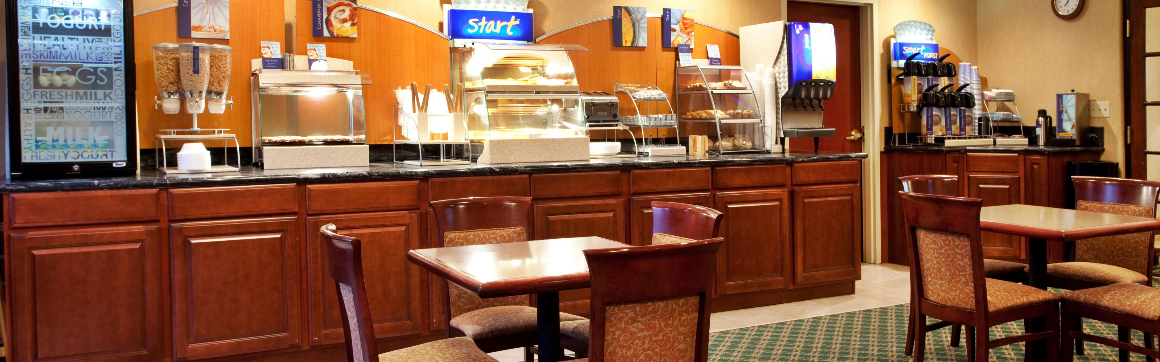 Holiday Inn Express Breaux Bridge/Henderson image 3