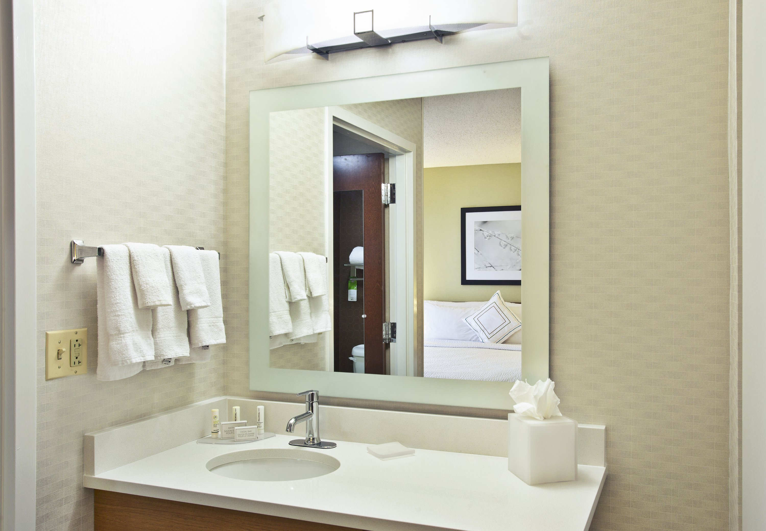 SpringHill Suites by Marriott Chicago Elmhurst/Oakbrook Area image 3