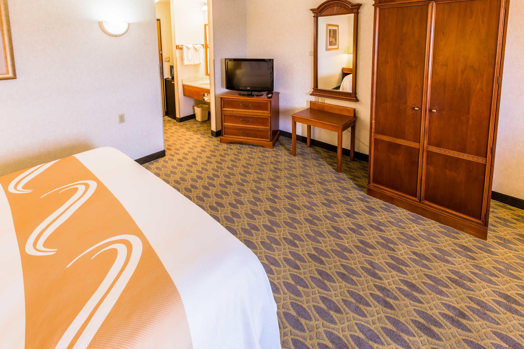 Quality Inn & Suites University image 13
