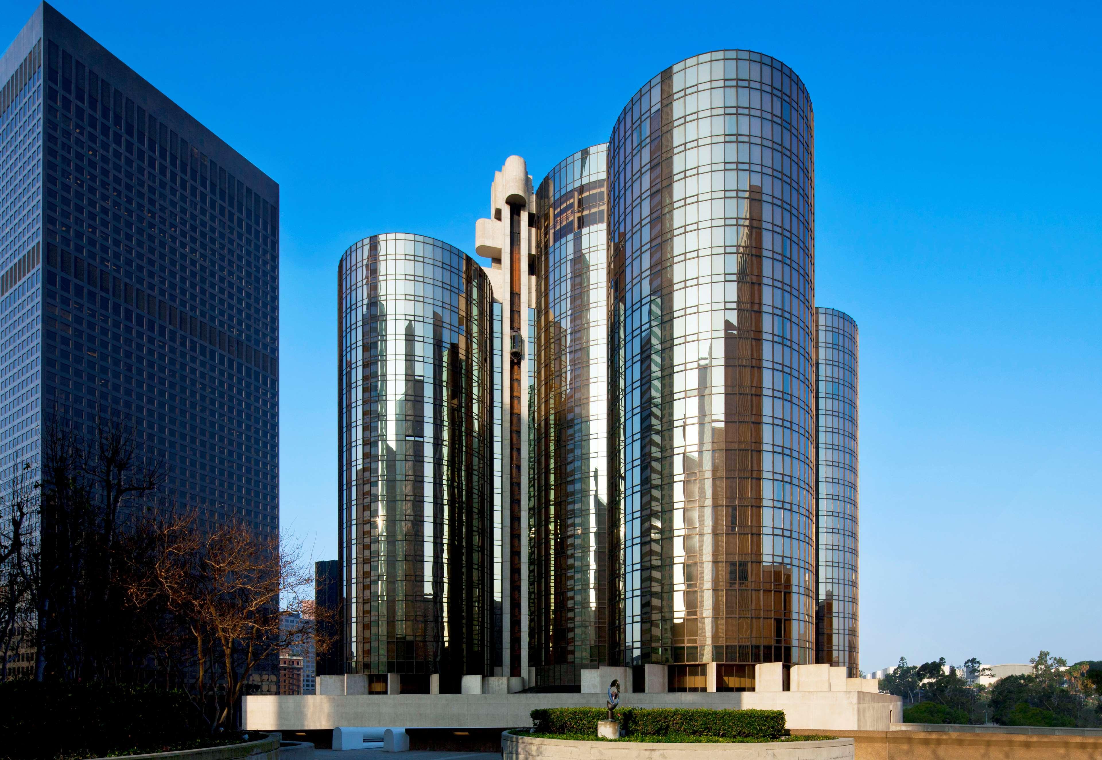 The Westin Bonaventure Hotel & Suites, Los Angeles image 2