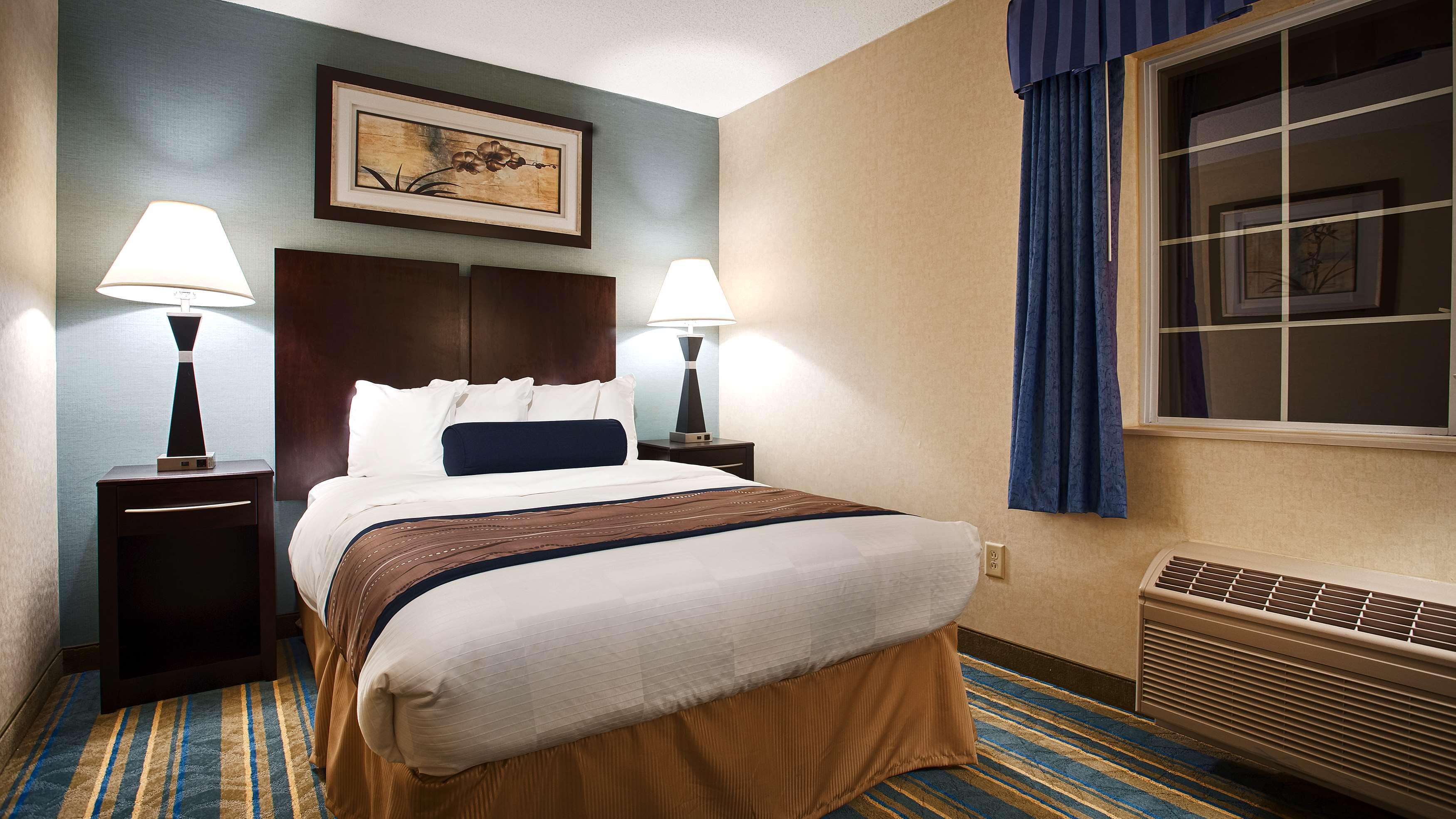 Best Western Plus Berkshire Hills Inn & Suites image 26