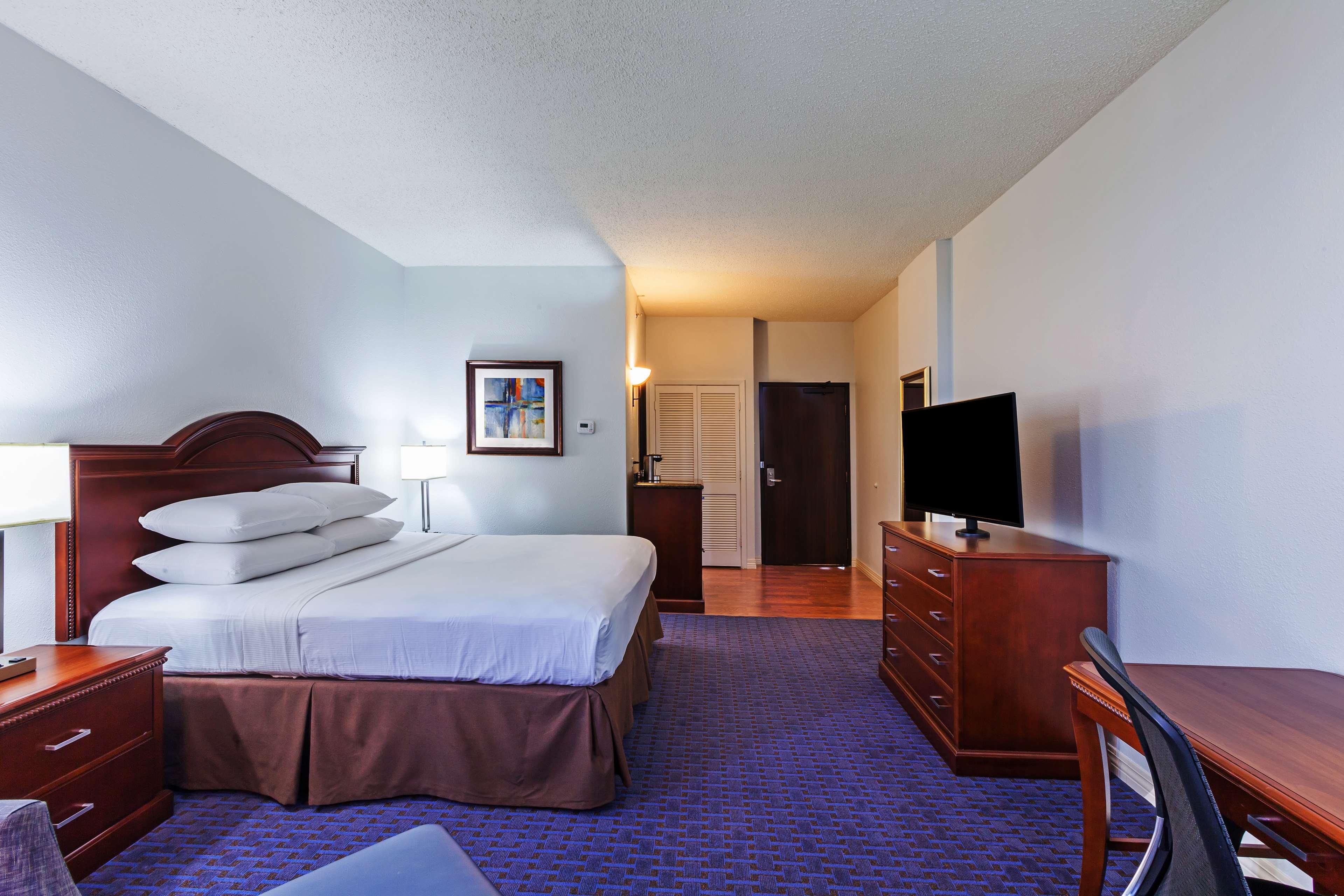 Hilton Waco image 33