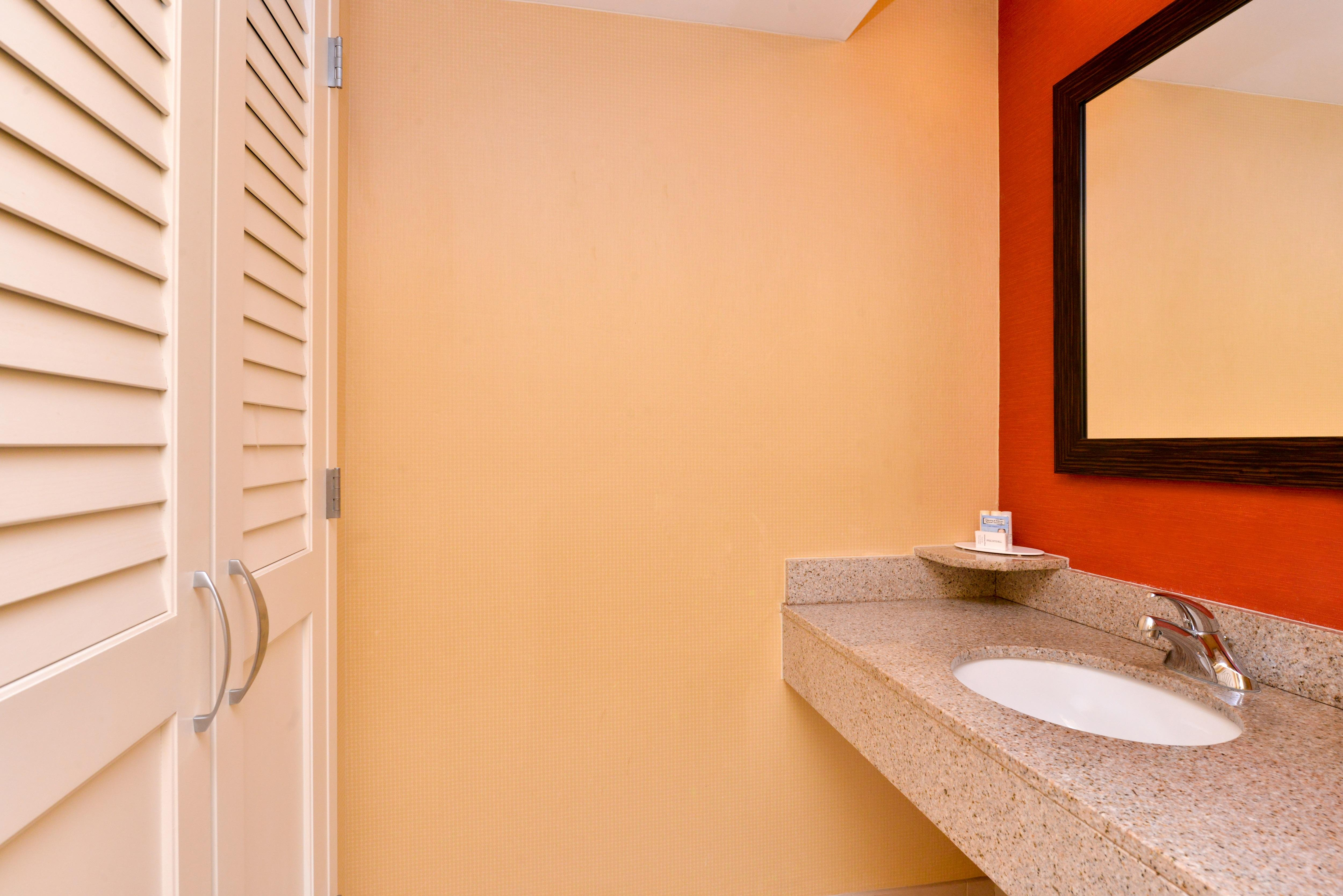 Courtyard by Marriott Tampa North/I-75 Fletcher image 5