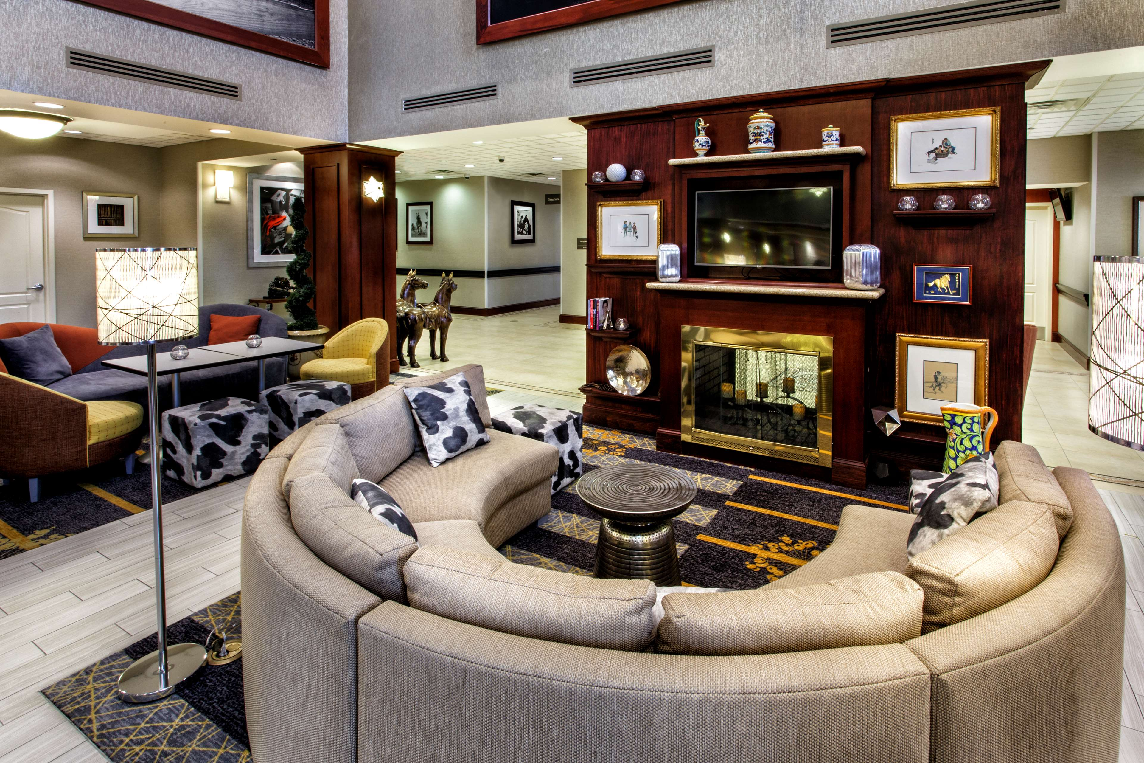 Hampton Inn & Suites Staten Island image 11