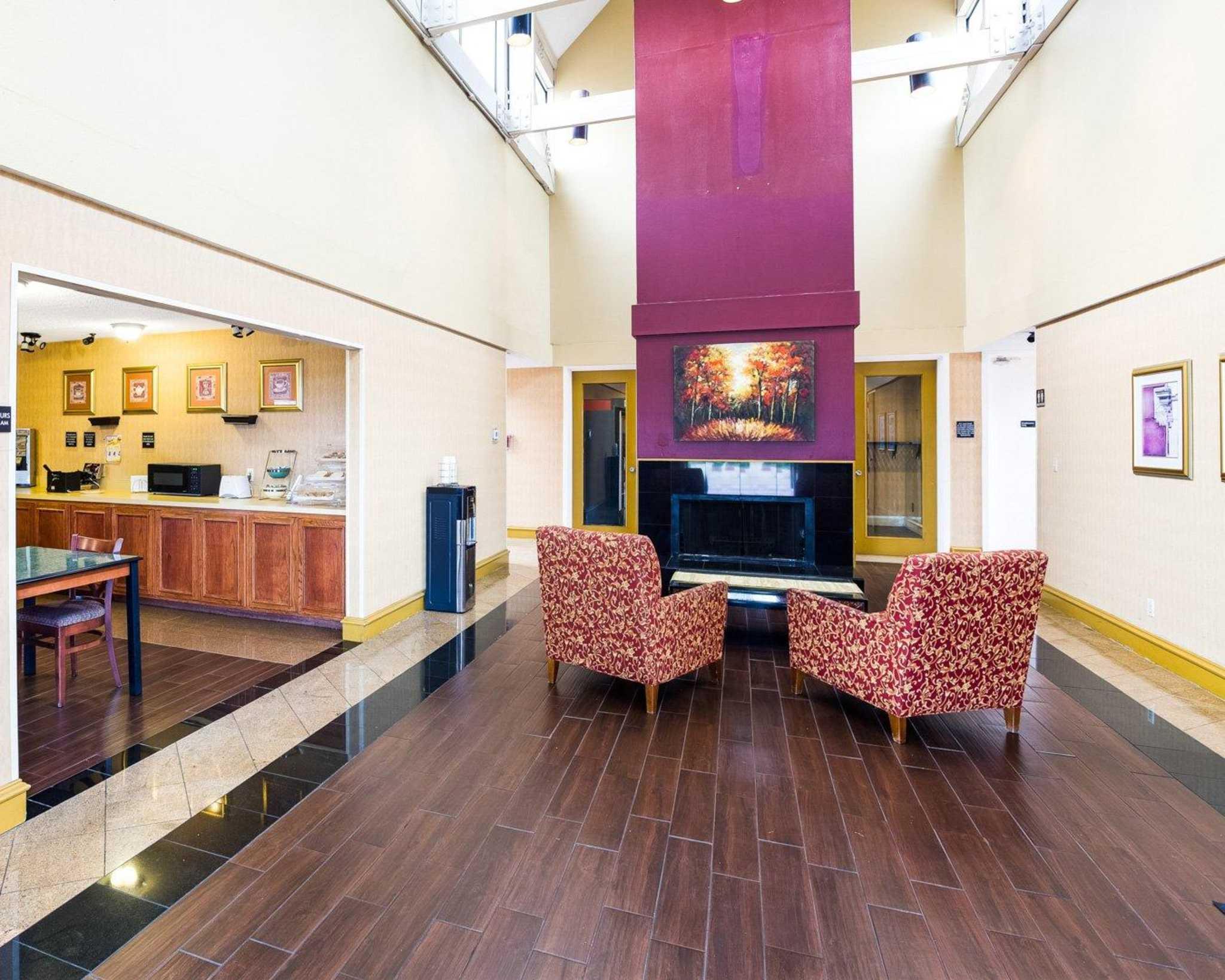 Rodeway Inn & Suites Fiesta Park image 25