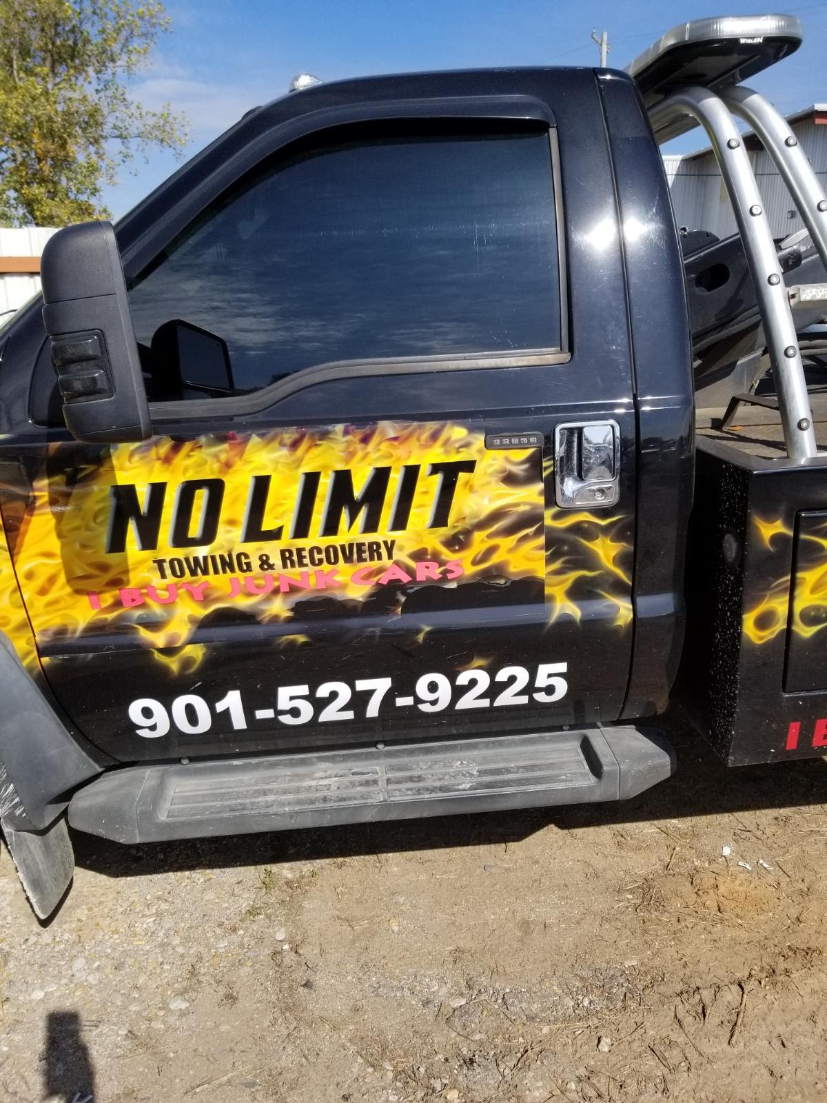 No Limit Towing & Auto image 2