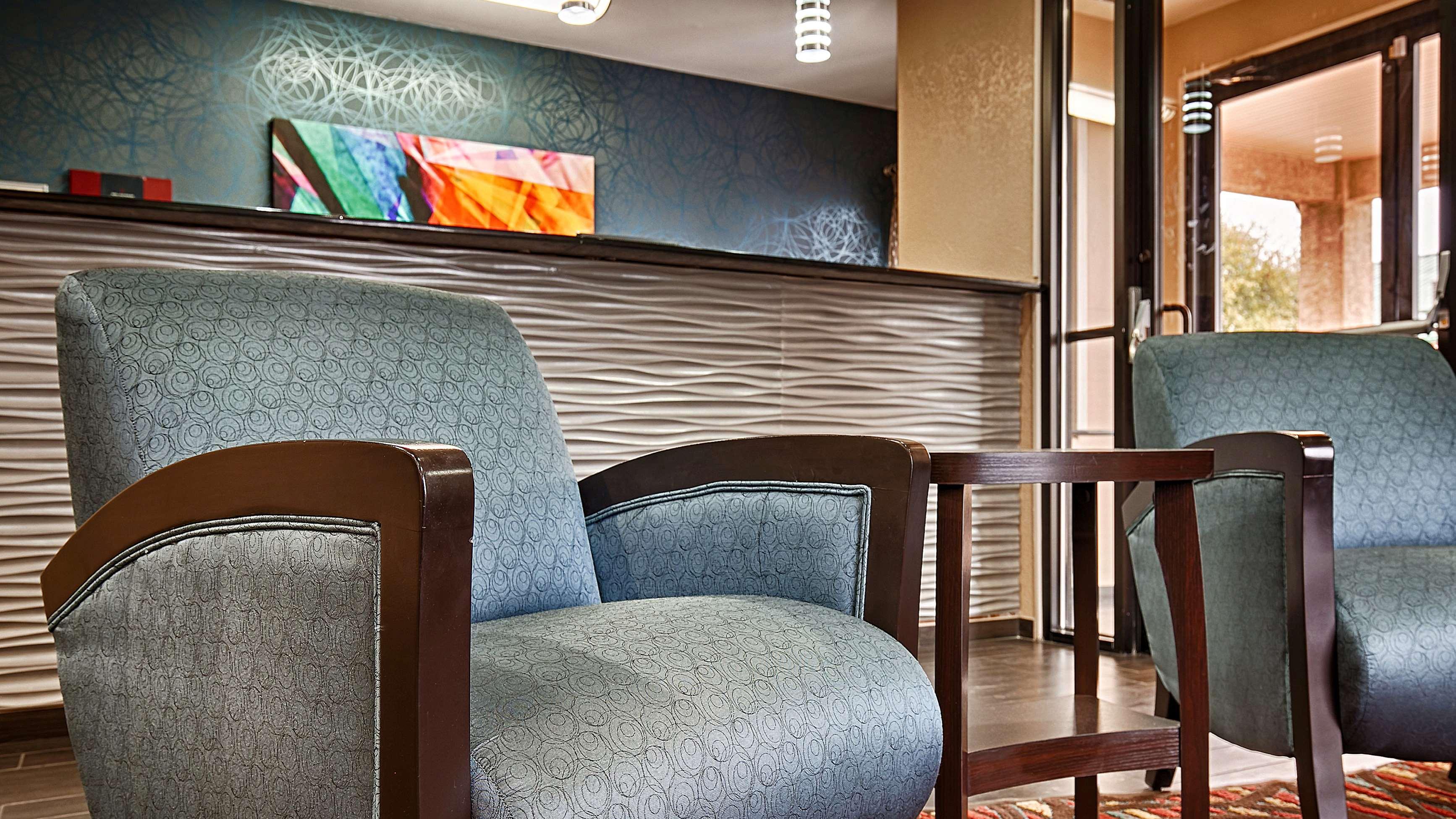 Best Western Cedar Inn image 25