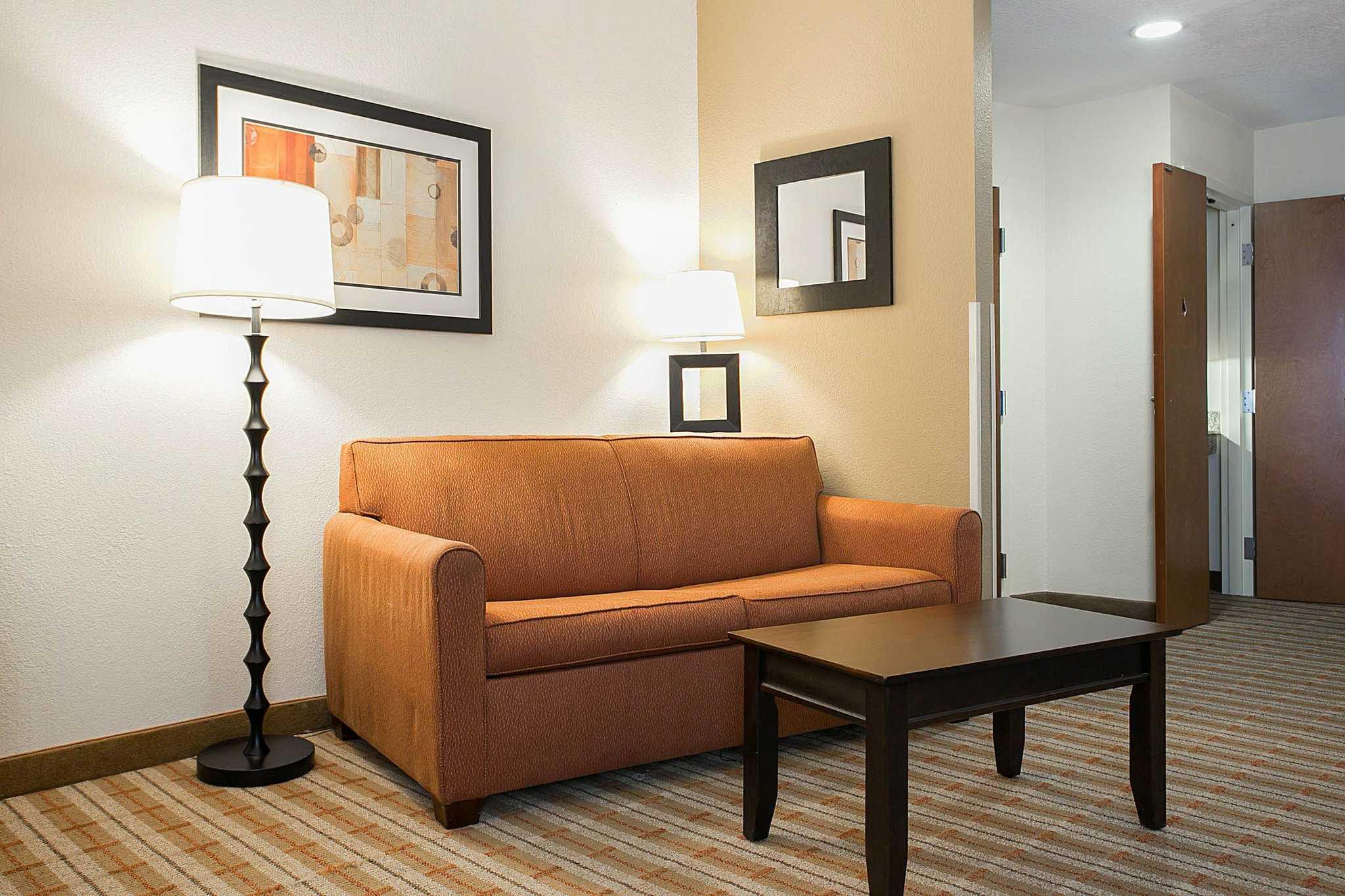Comfort Suites image 34
