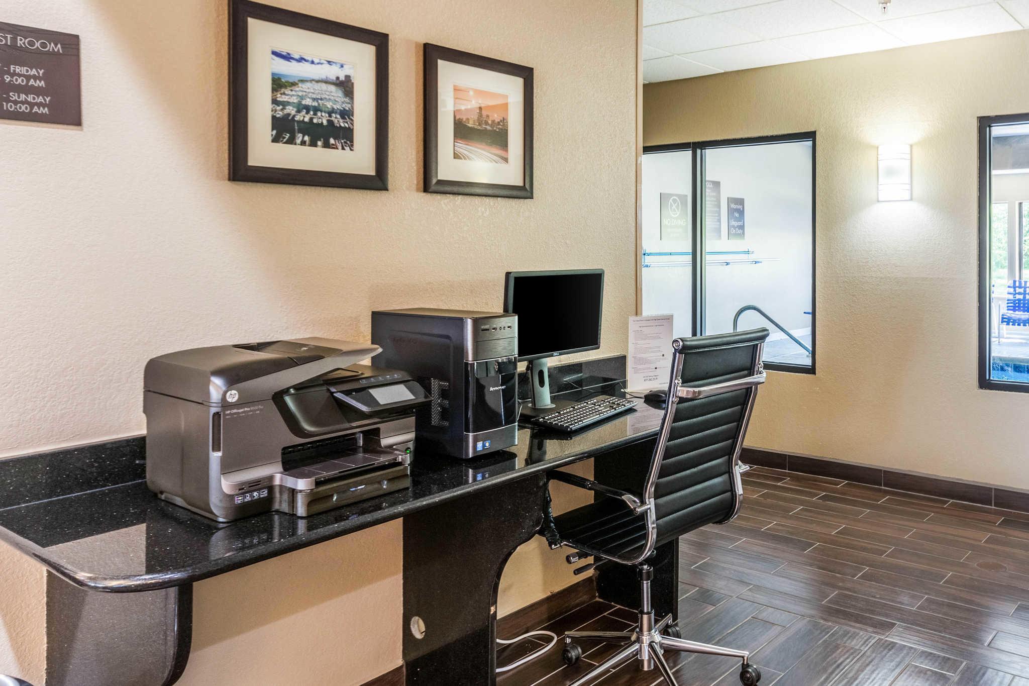 Comfort Inn & Suites North Aurora - Naperville image 37