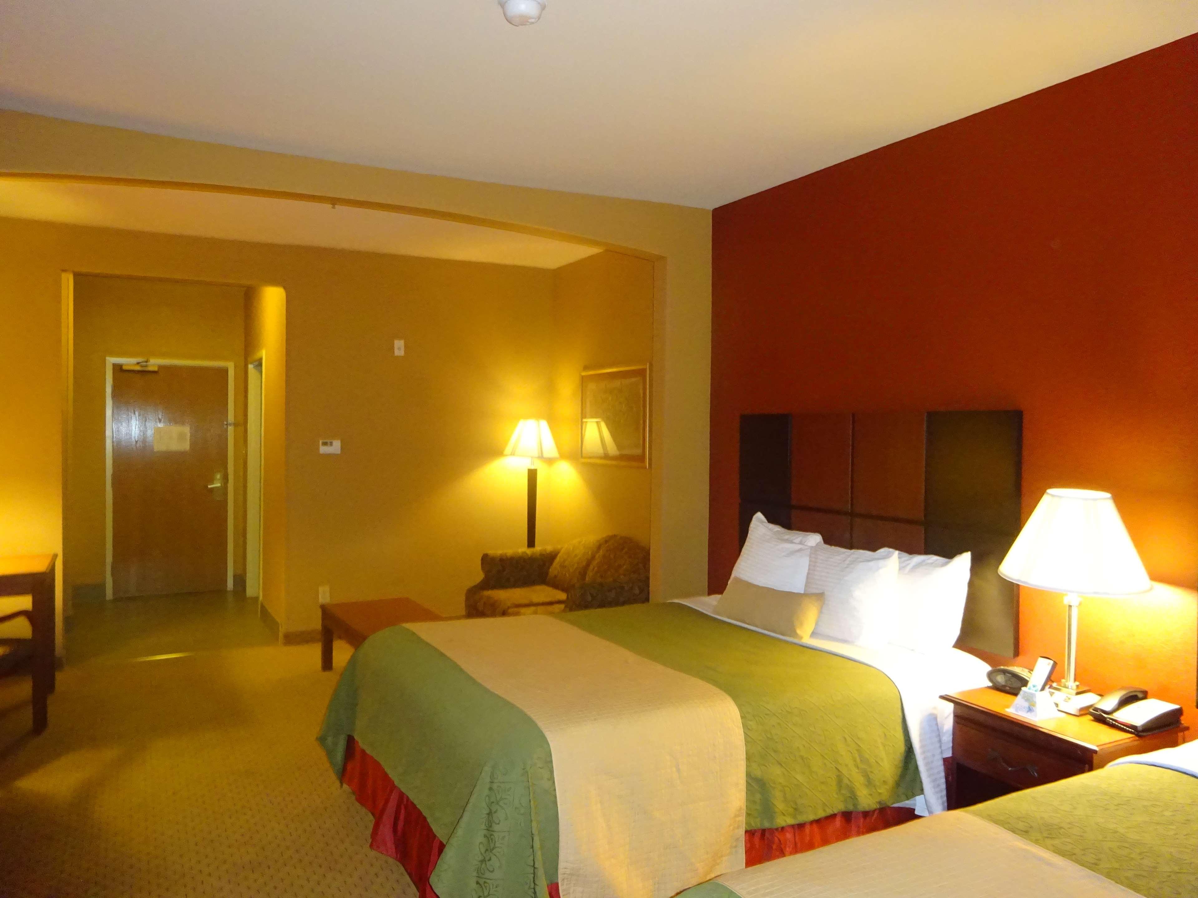 Best Western Plus Denton Inn & Suites image 8