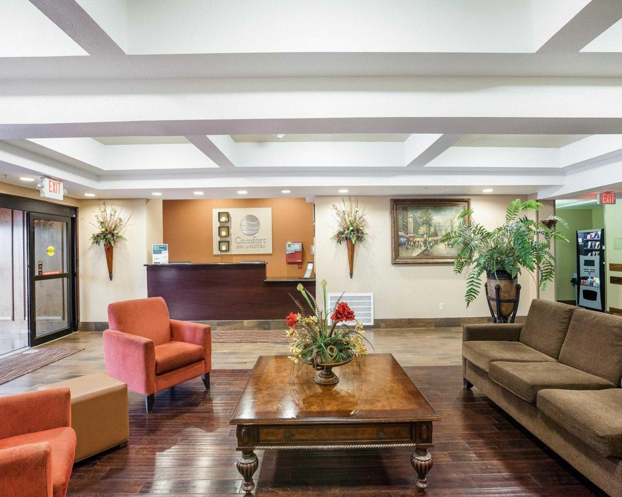 Comfort Inn & Suites Near Medical Center image 12