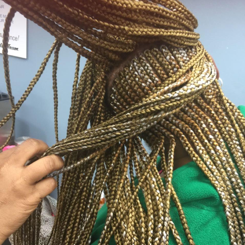 Aisha Hair Braiding image 15
