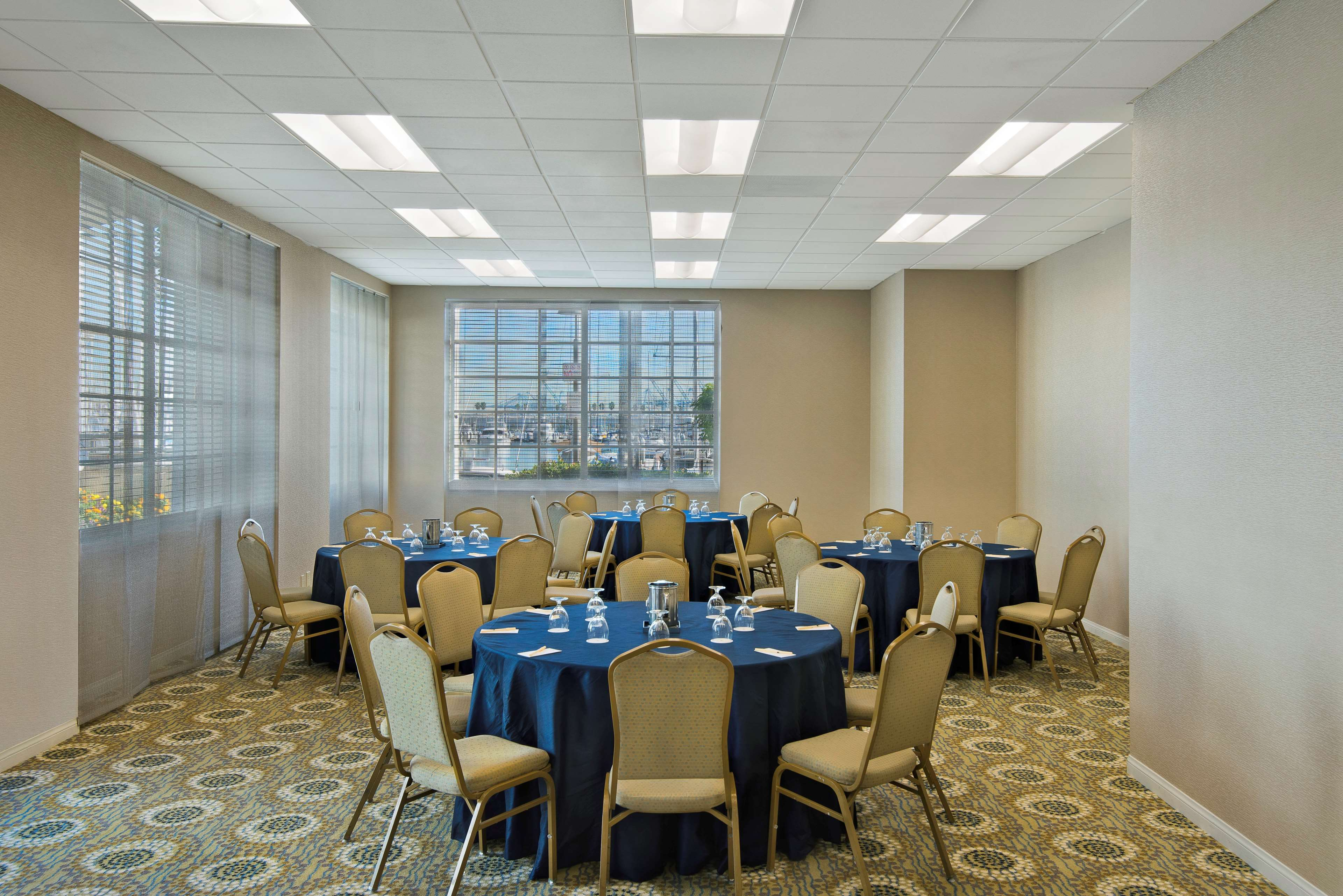 DoubleTree by Hilton Hotel San Pedro - Port of Los Angeles image 3
