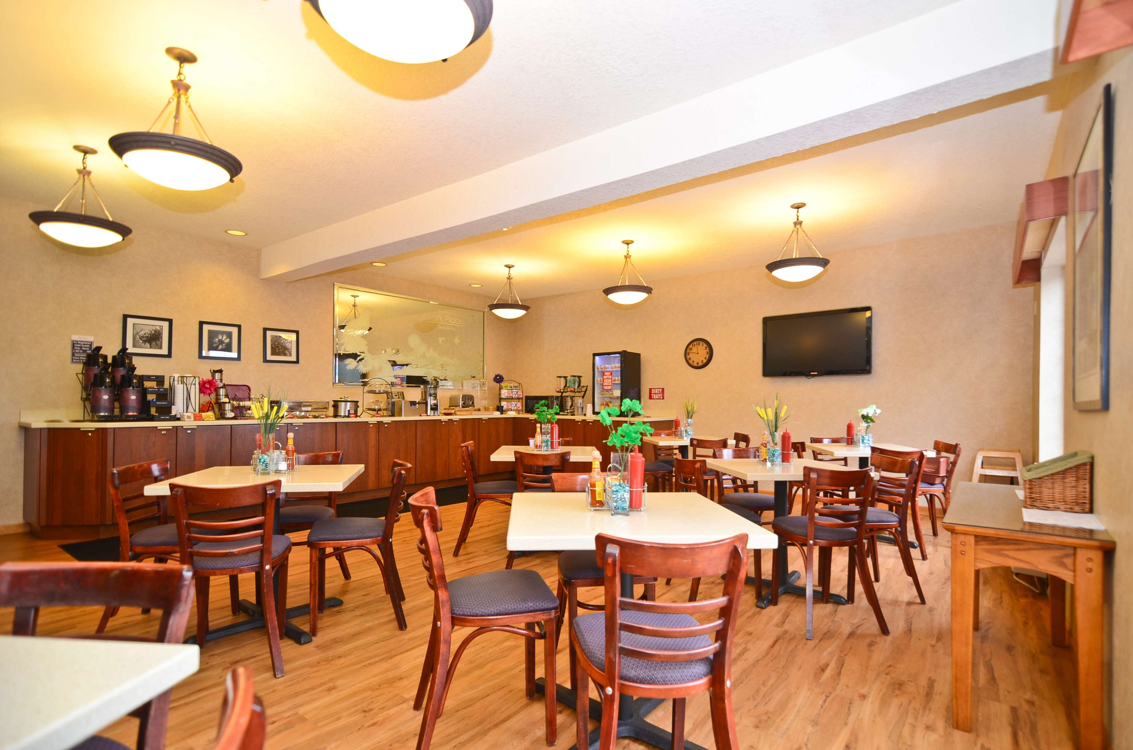 Best Western Plus Park Place Inn & Suites image 42