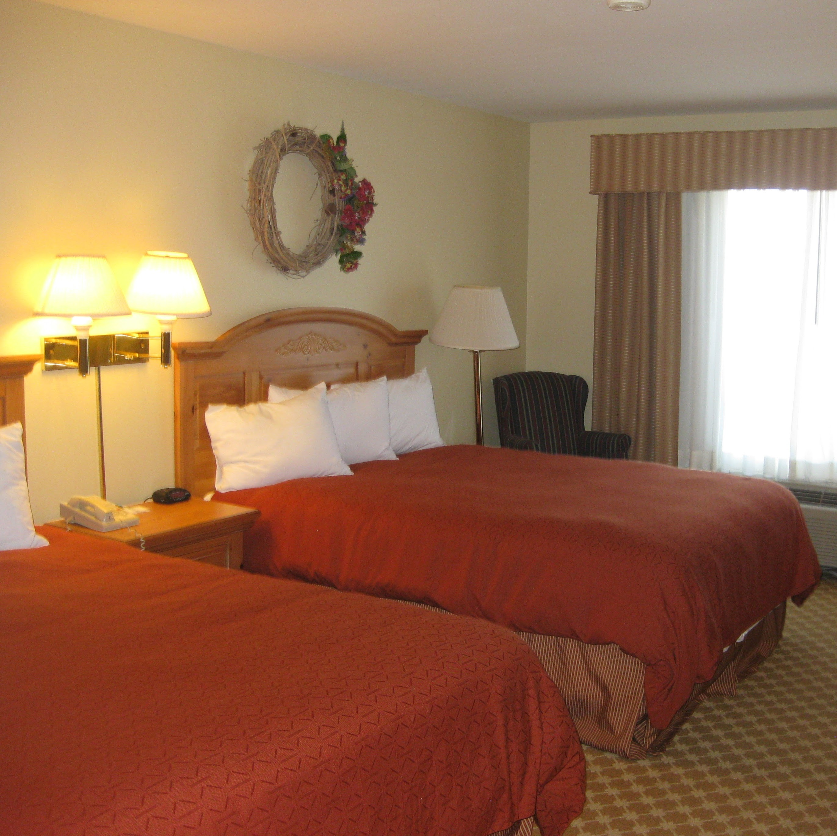 Country Inn & Suites by Radisson, Clinton, IA image 1