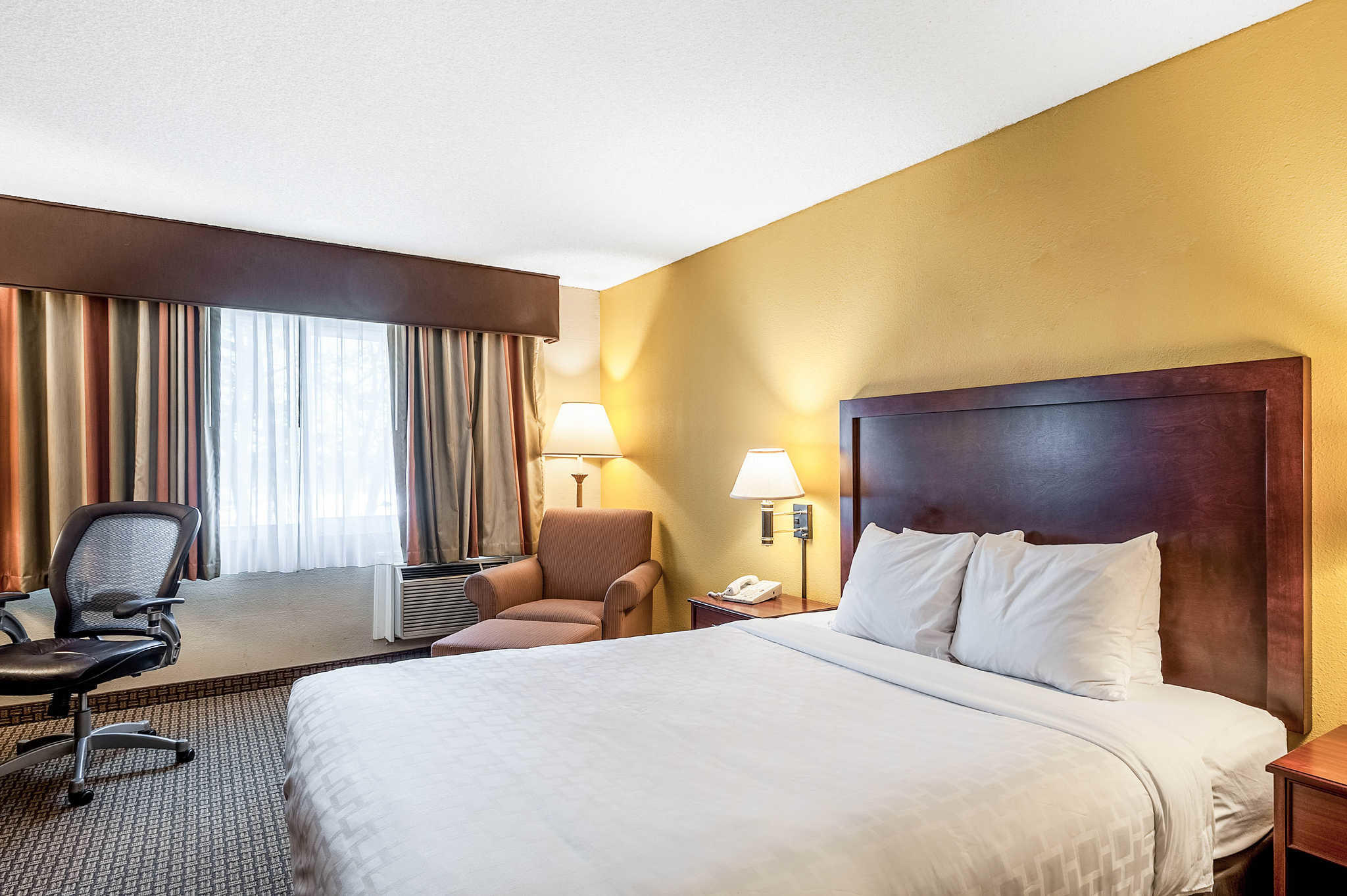 Clarion Hotel Seattle Airport image 7