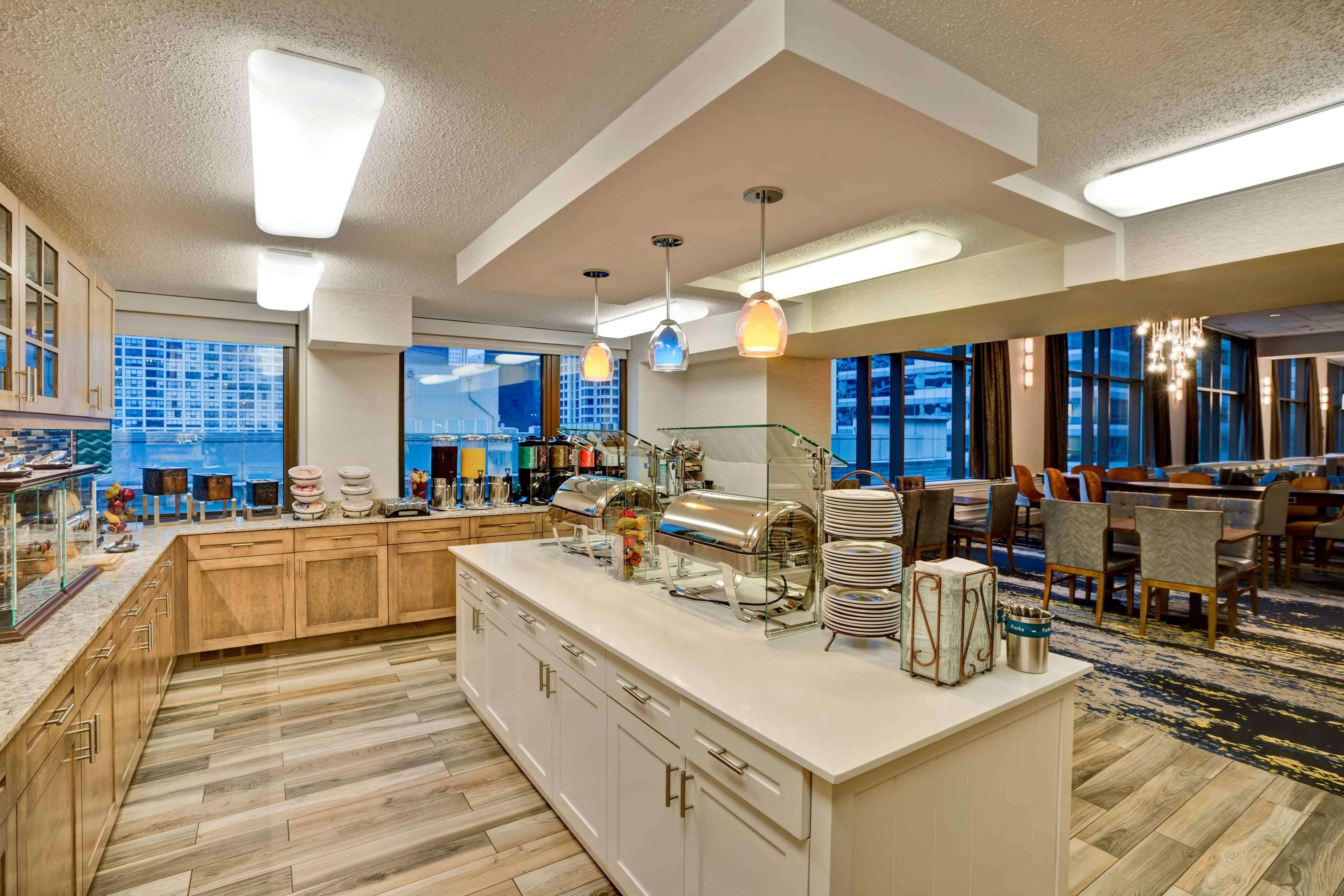Homewood Suites by Hilton Chicago-Downtown image 25