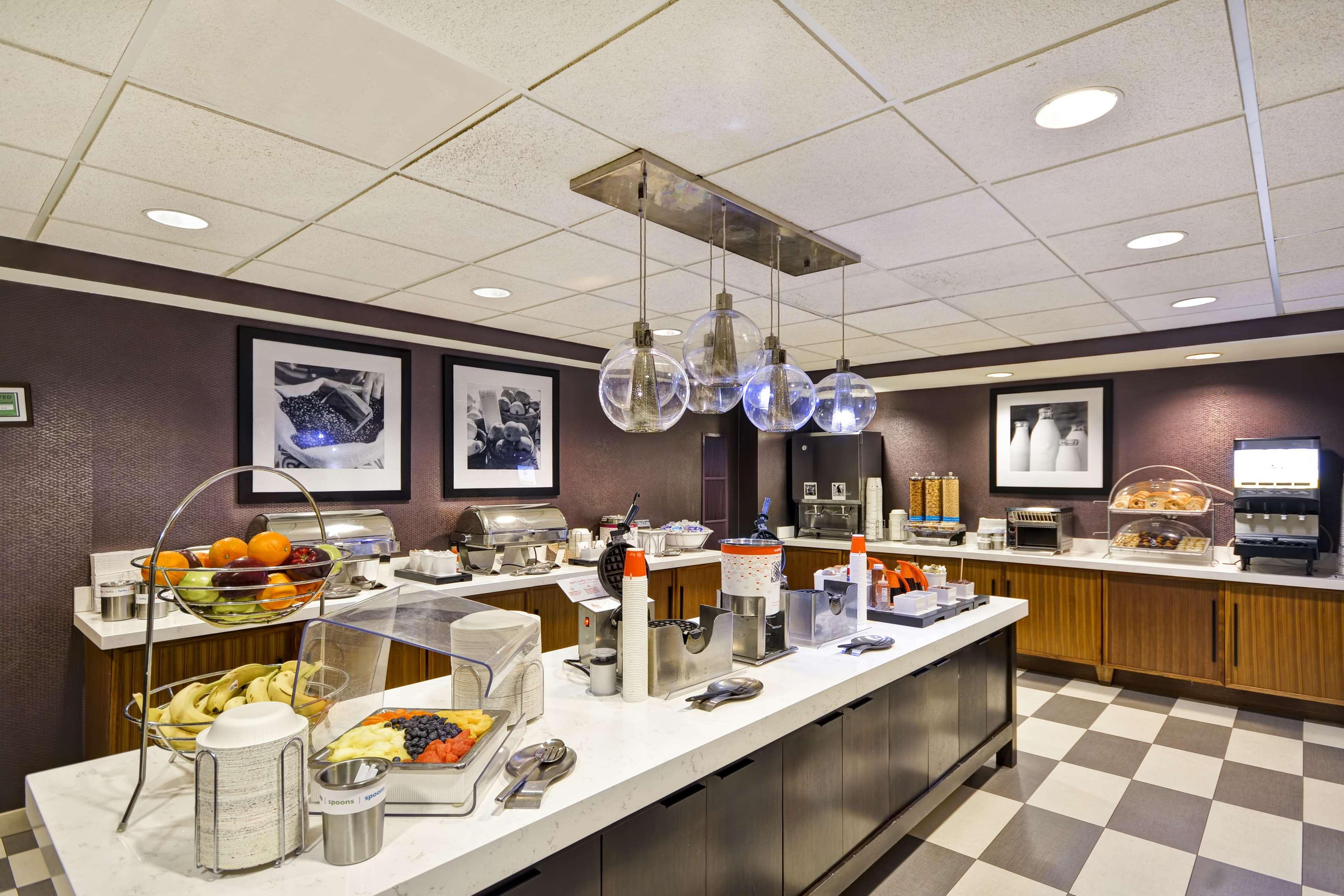 Hampton Inn & Suites Columbus-Easton Area image 66