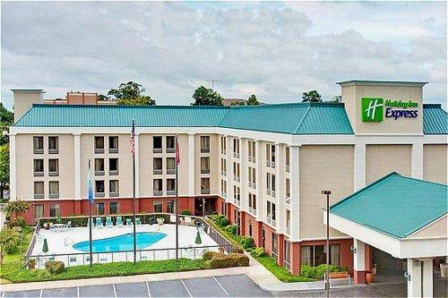 Holiday Inn Express Memphis Medical Center Midtown image 0