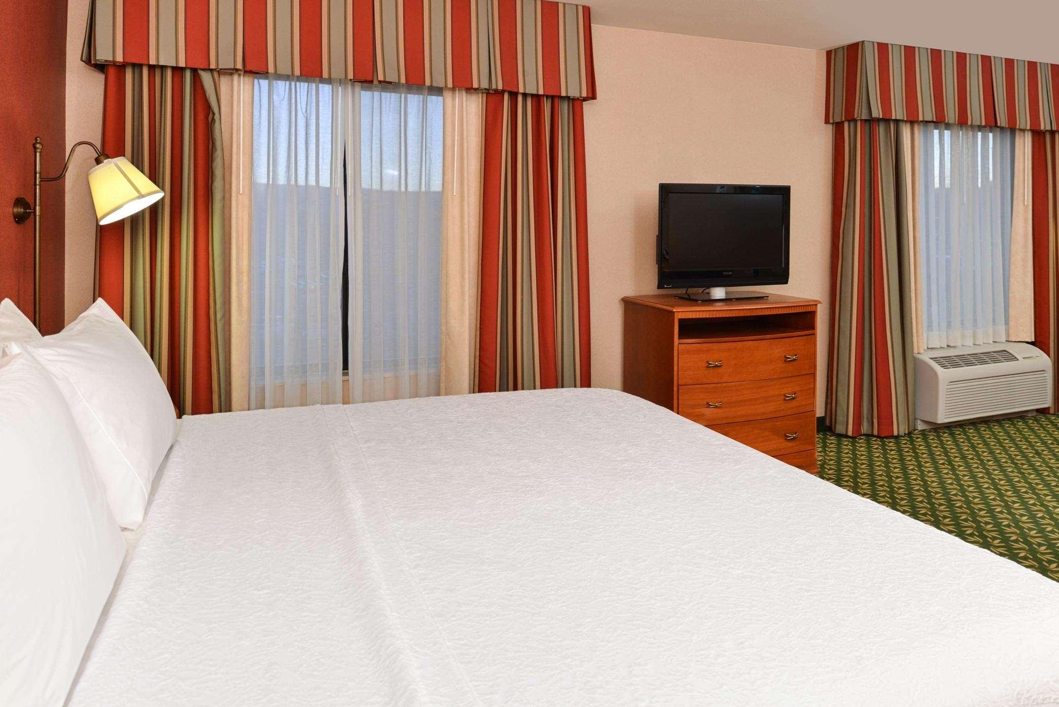 Hampton Inn & Suites Casper image 11