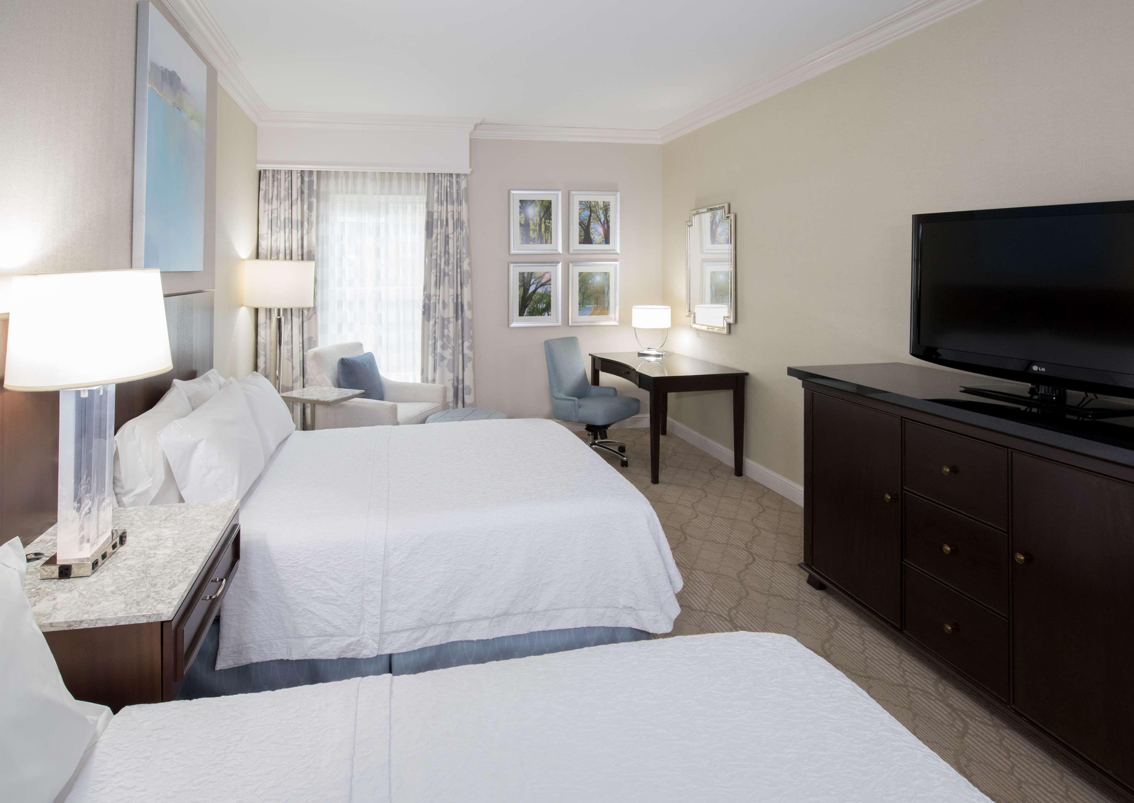 Hampton Inn & Suites Charlotte/South Park at Phillips Place image 33